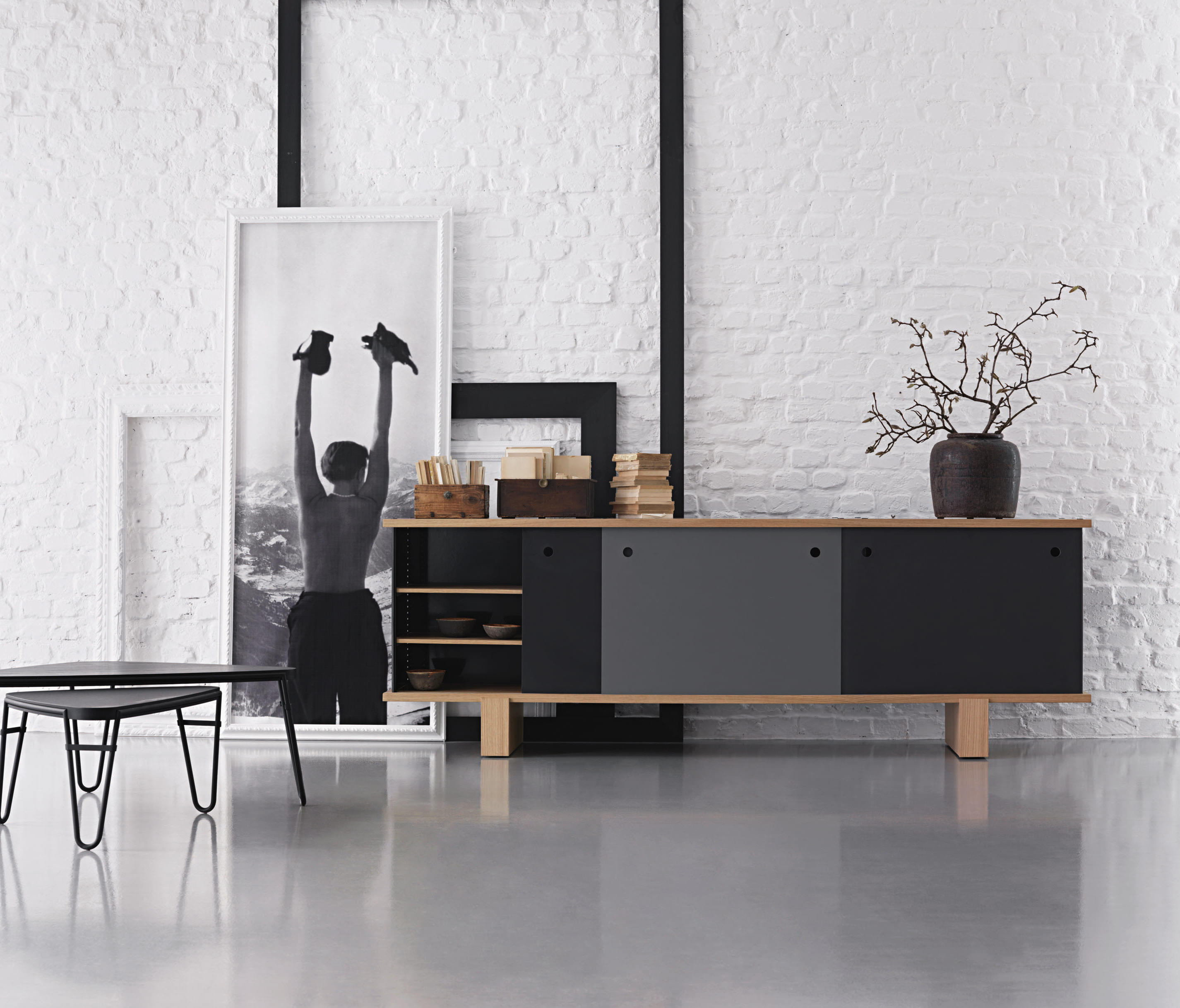 513 nuage sideboards from cassina architonic. Black Bedroom Furniture Sets. Home Design Ideas