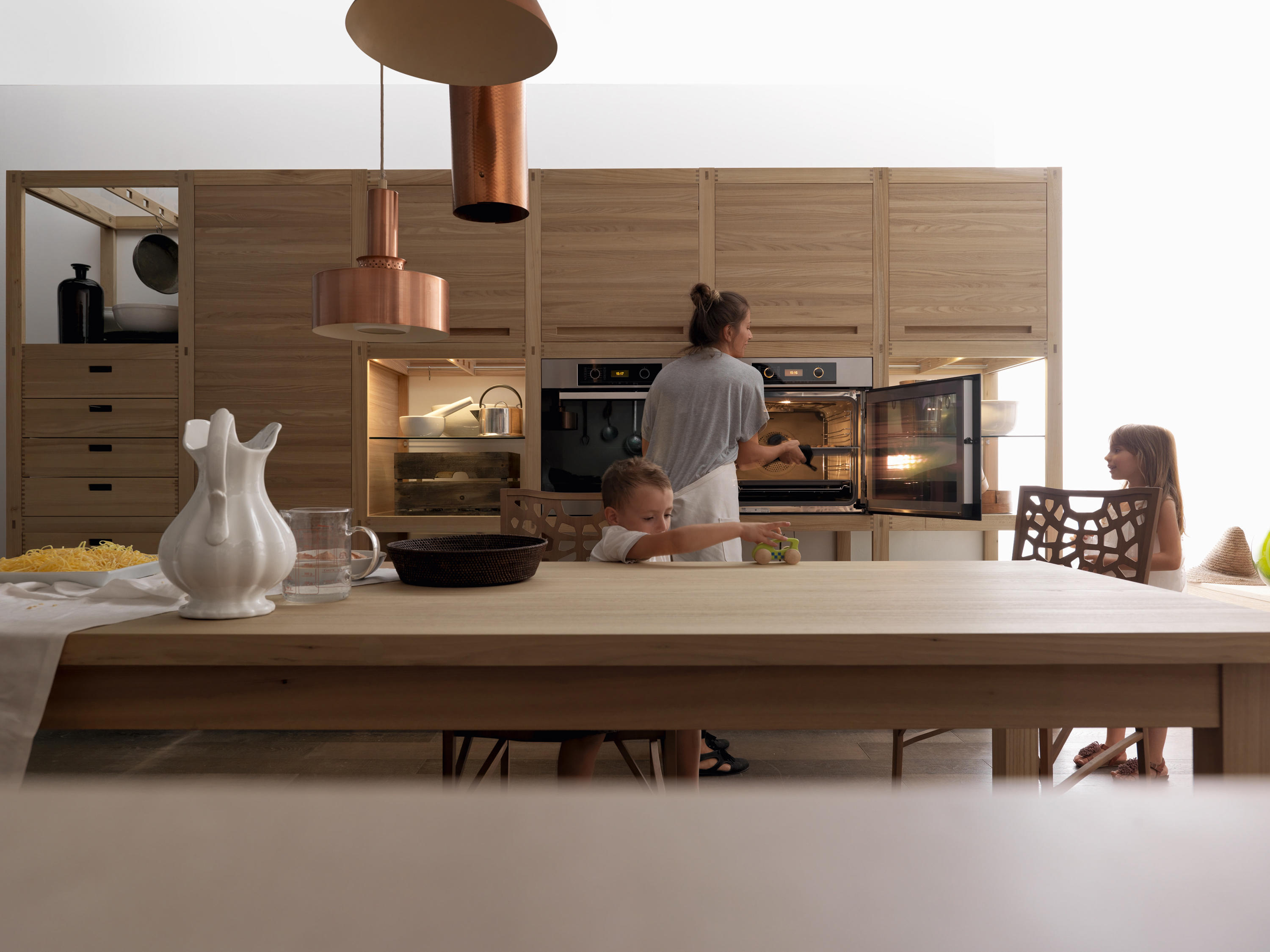 SINE TEMPORE Fitted kitchens from Valcucine