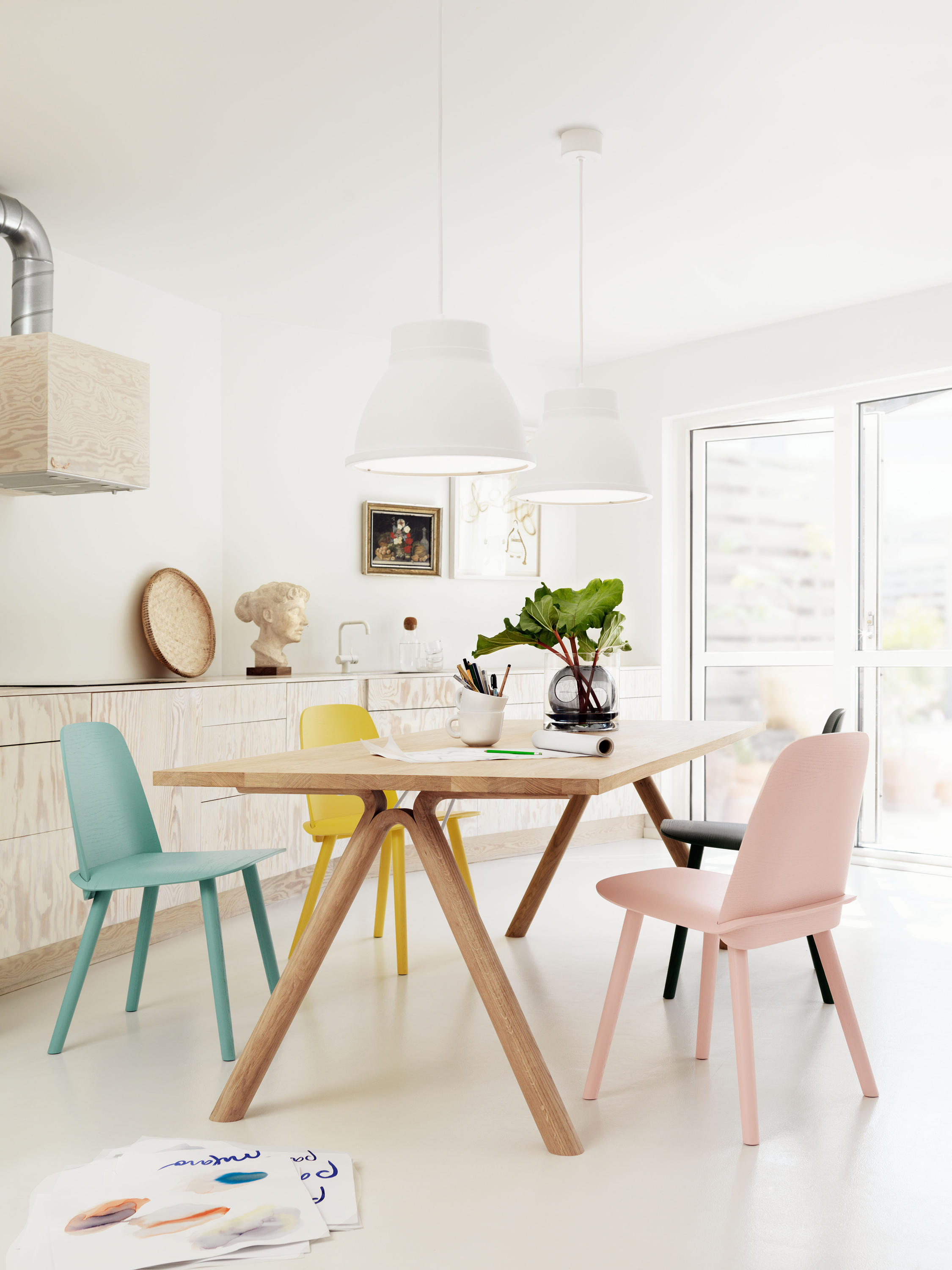 SPLIT DINING TABLE Individual desks from Muuto