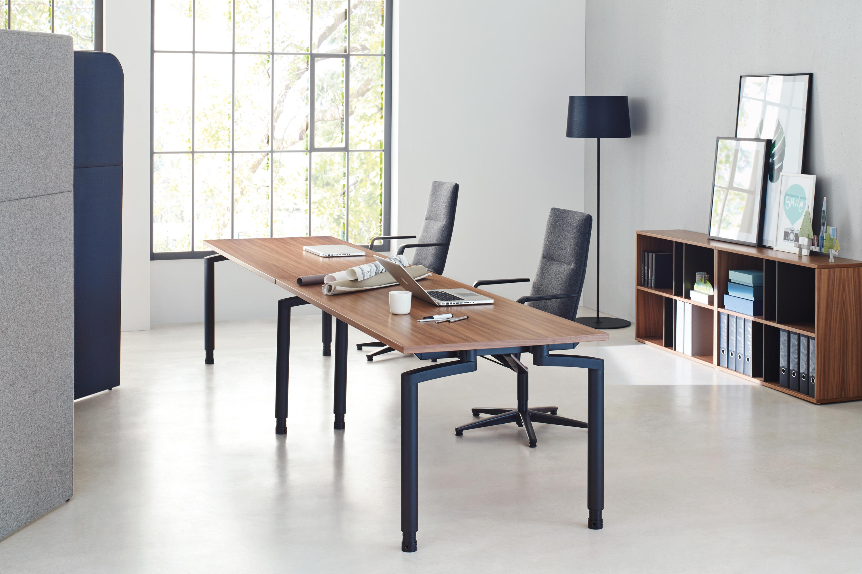 Reihe m arbeitstisch einzeltische von ophelis architonic for Designer arbeitstisch