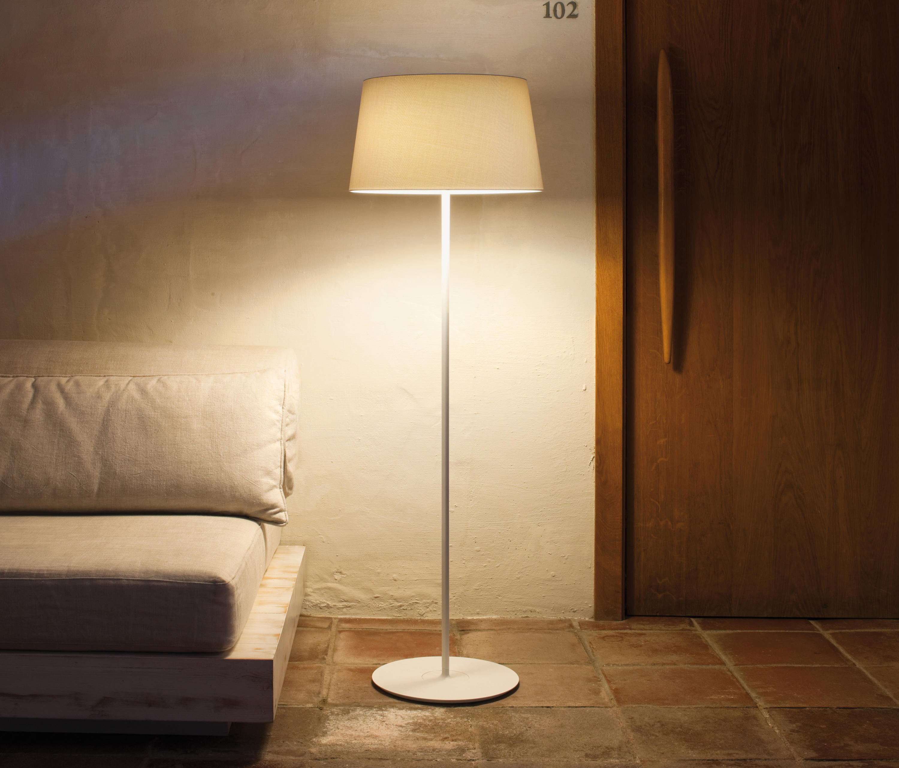 Warm 4896 Table Lamp Table Lights From Vibia Architonic