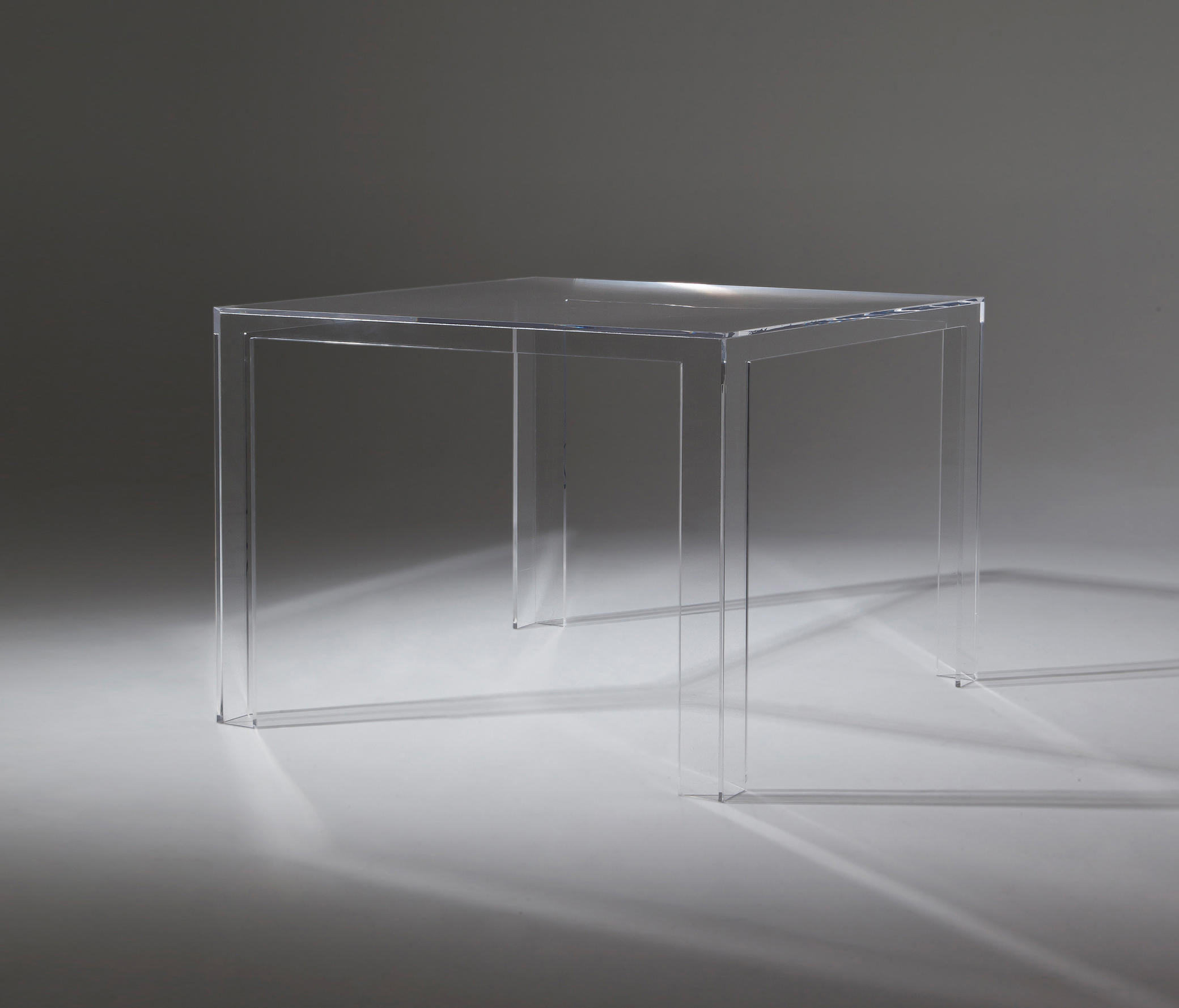 Invisible Table Restaurant Tables From Kartell Architonic