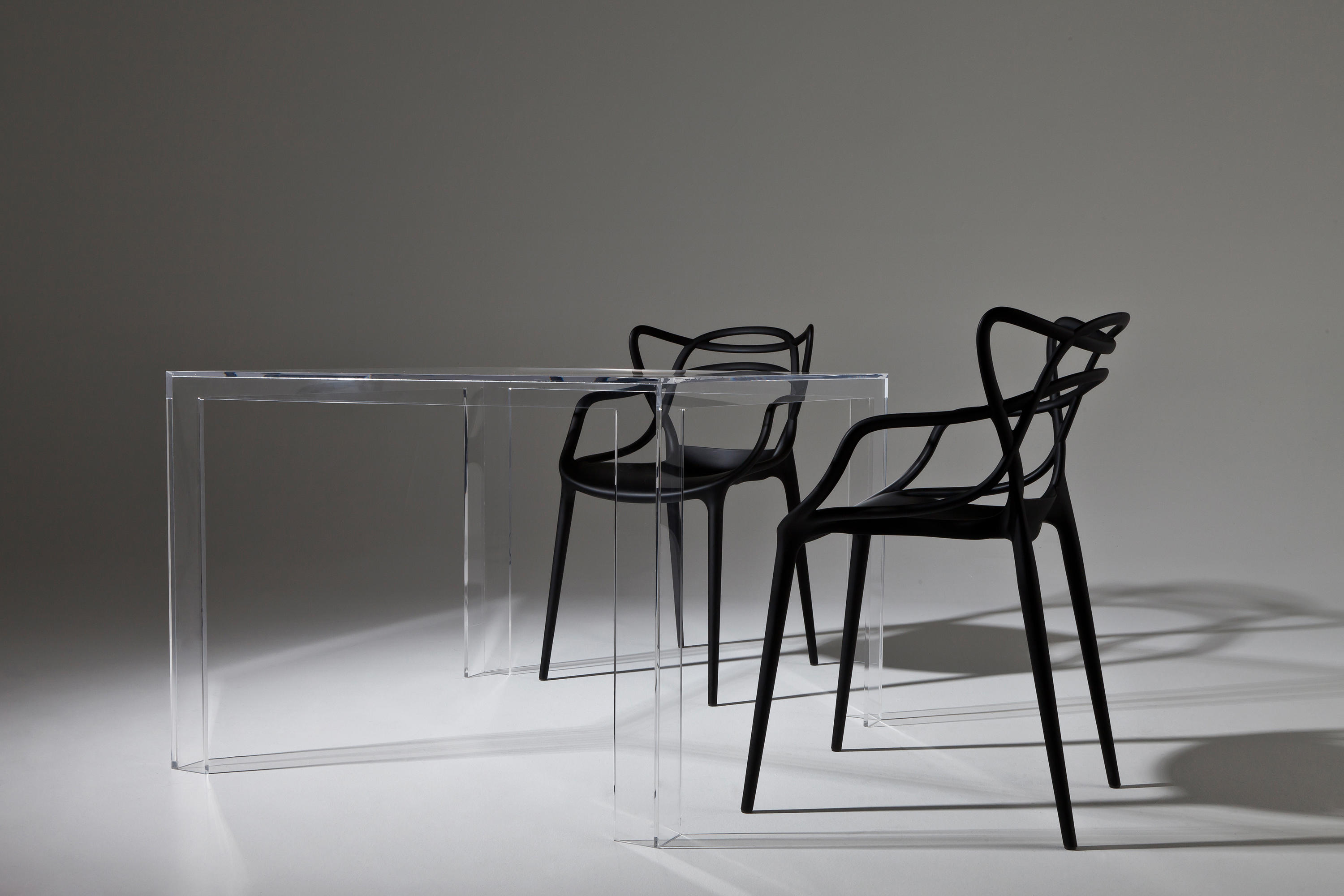 Invisible side lounge tables from kartell architonic for Table kartell