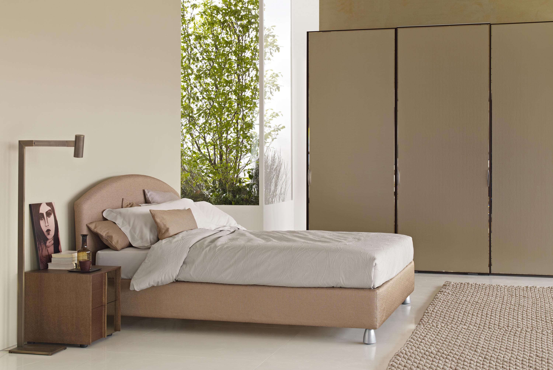 magnolia bett doppelbetten von flou architonic. Black Bedroom Furniture Sets. Home Design Ideas