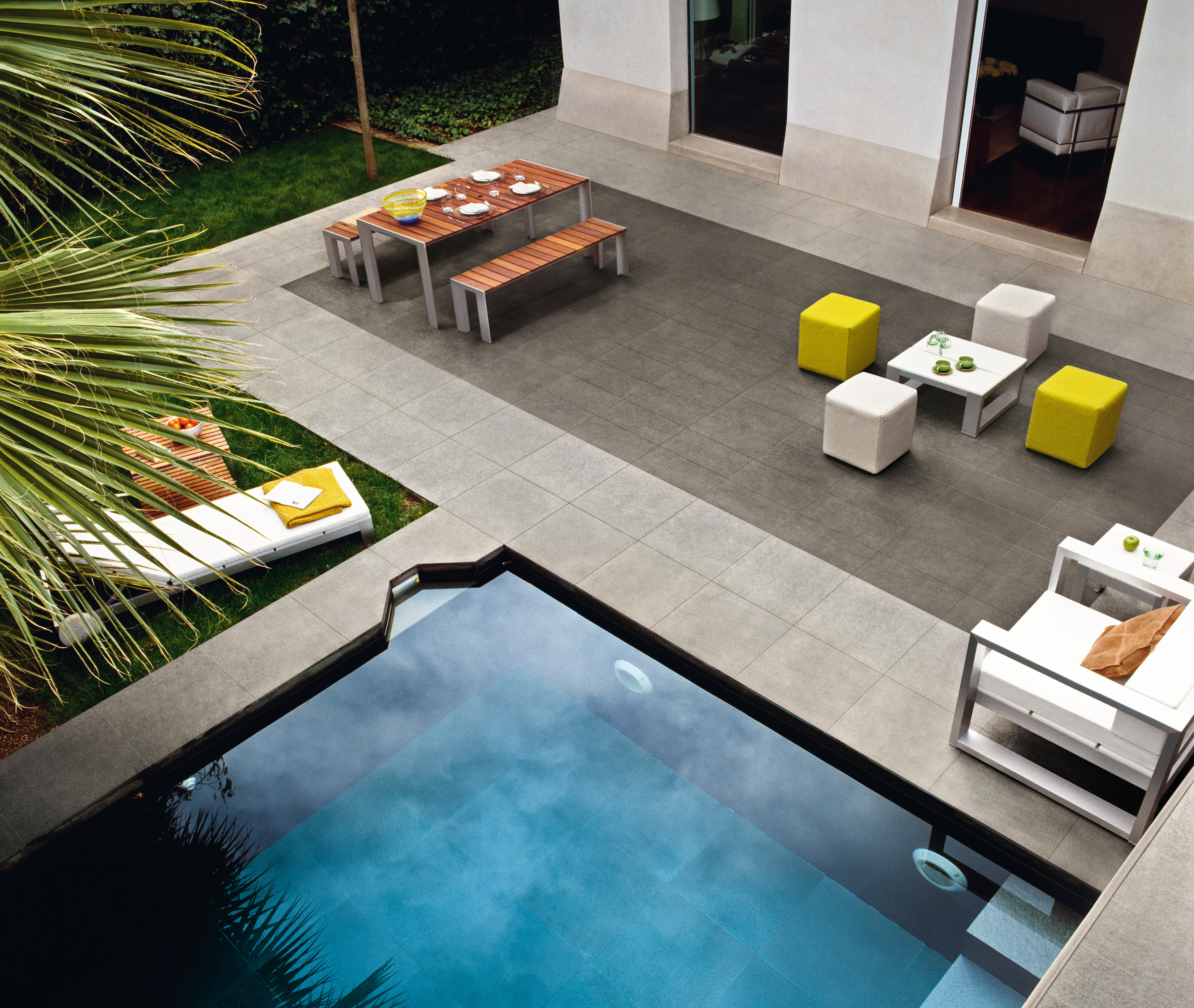 Basaltina stone project lappata tiles from lea for Carrelage gres cerame gris