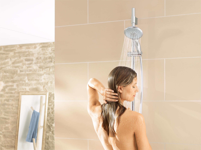 breath-control-in-shower-castle-fuck-porn-gif