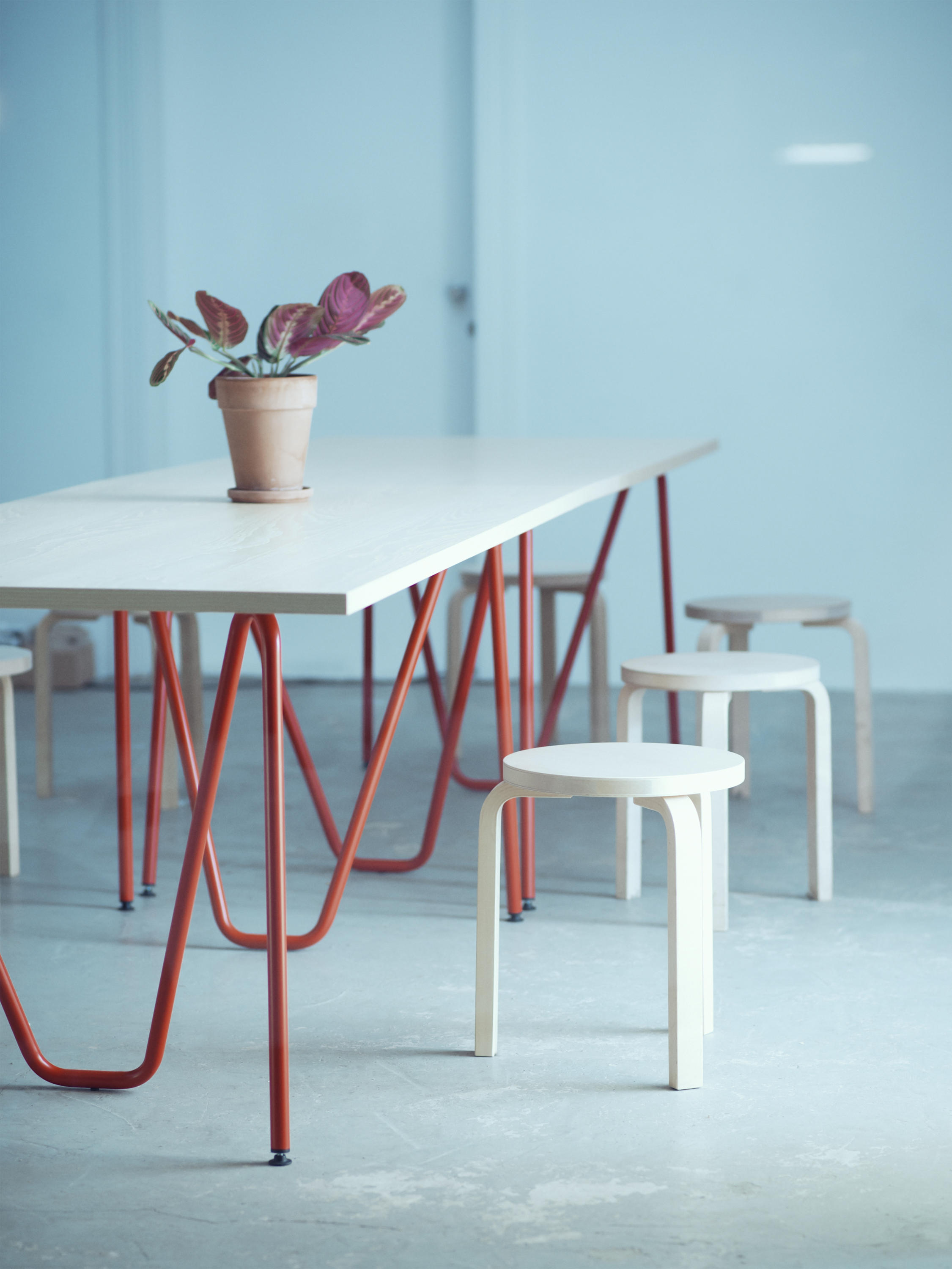 SINUS TABLE - Individual desks from L&Z | Architonic