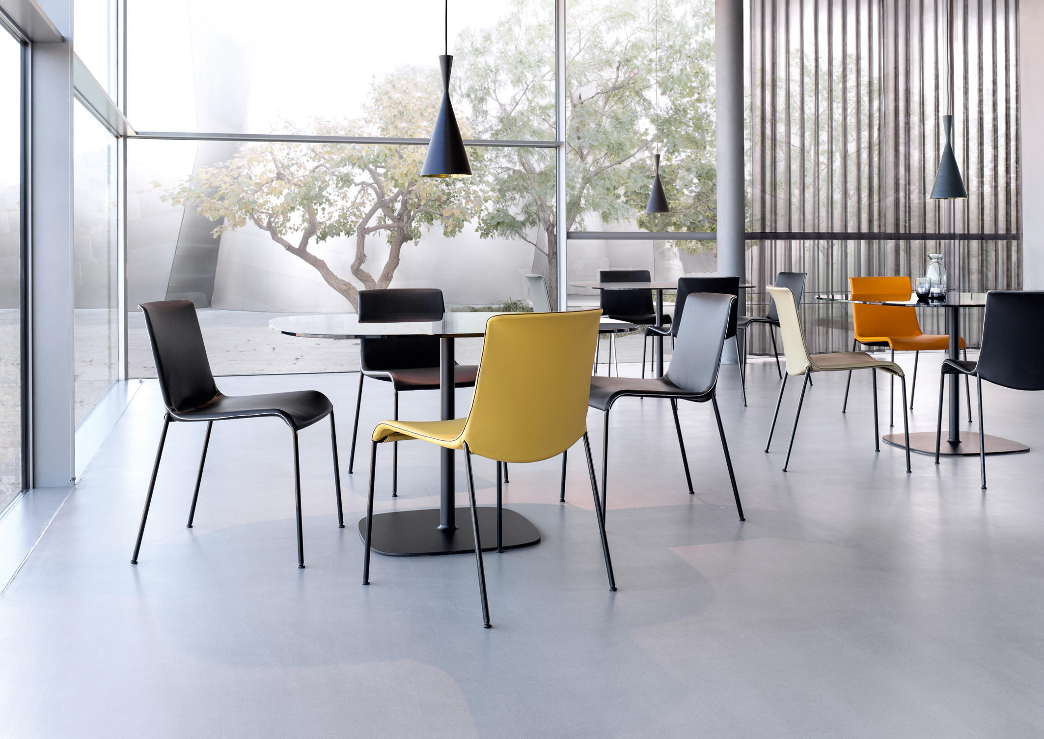 liz wood visitors chairs side chairs from walter knoll architonic. Black Bedroom Furniture Sets. Home Design Ideas