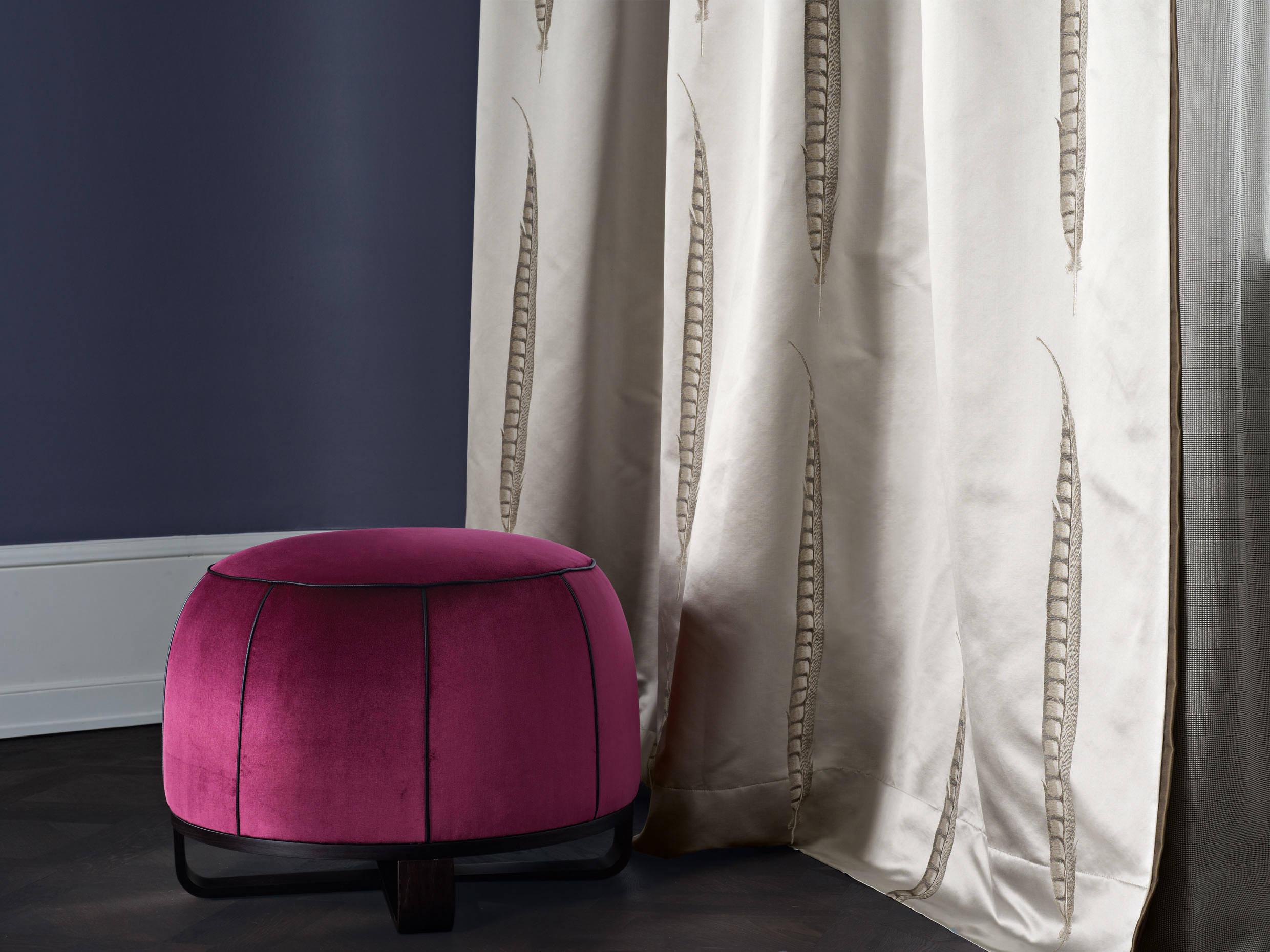 ball hocker poufs polsterhocker von zimmer rohde architonic. Black Bedroom Furniture Sets. Home Design Ideas