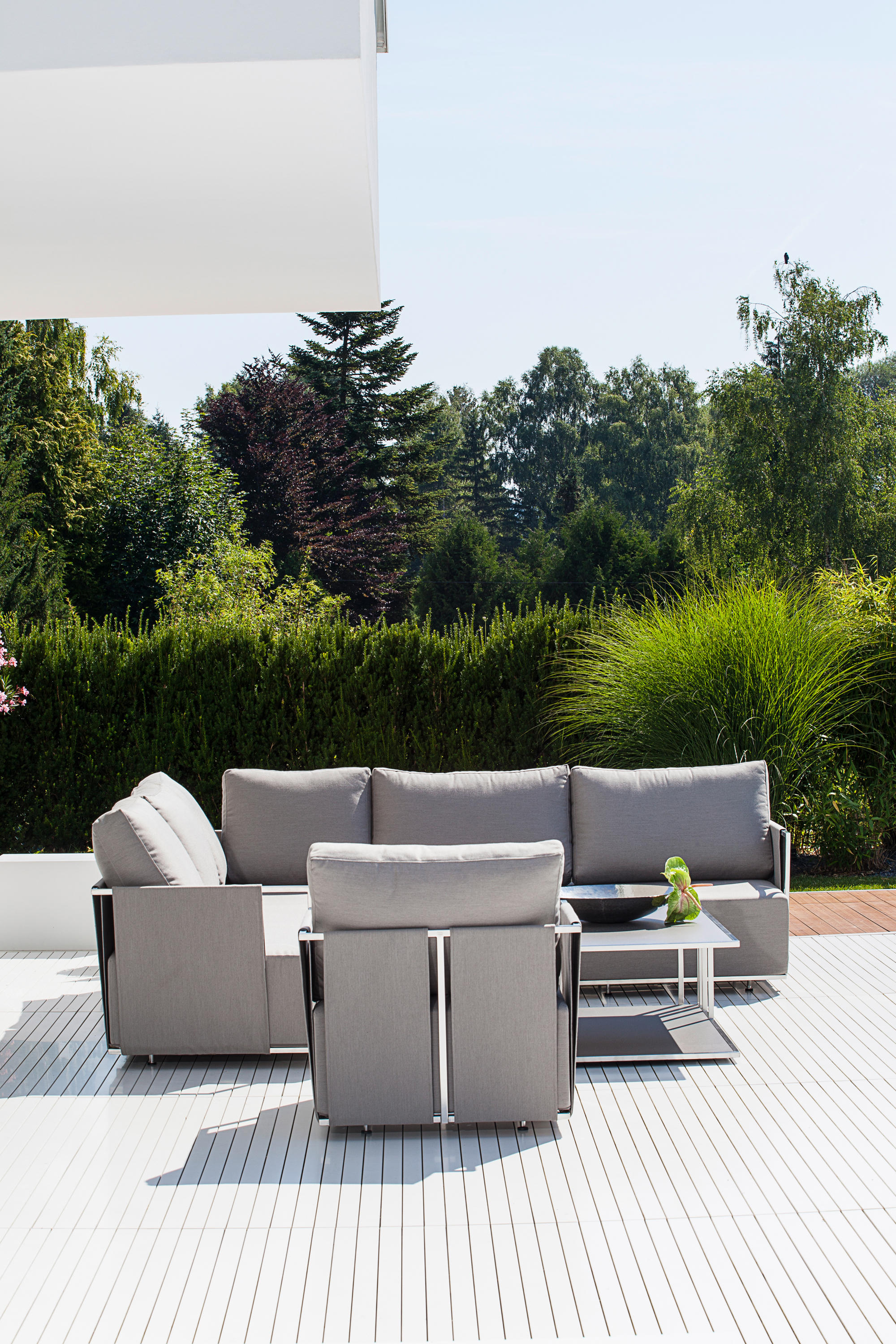 suite cantilever chair garden chairs from fischer m bel. Black Bedroom Furniture Sets. Home Design Ideas