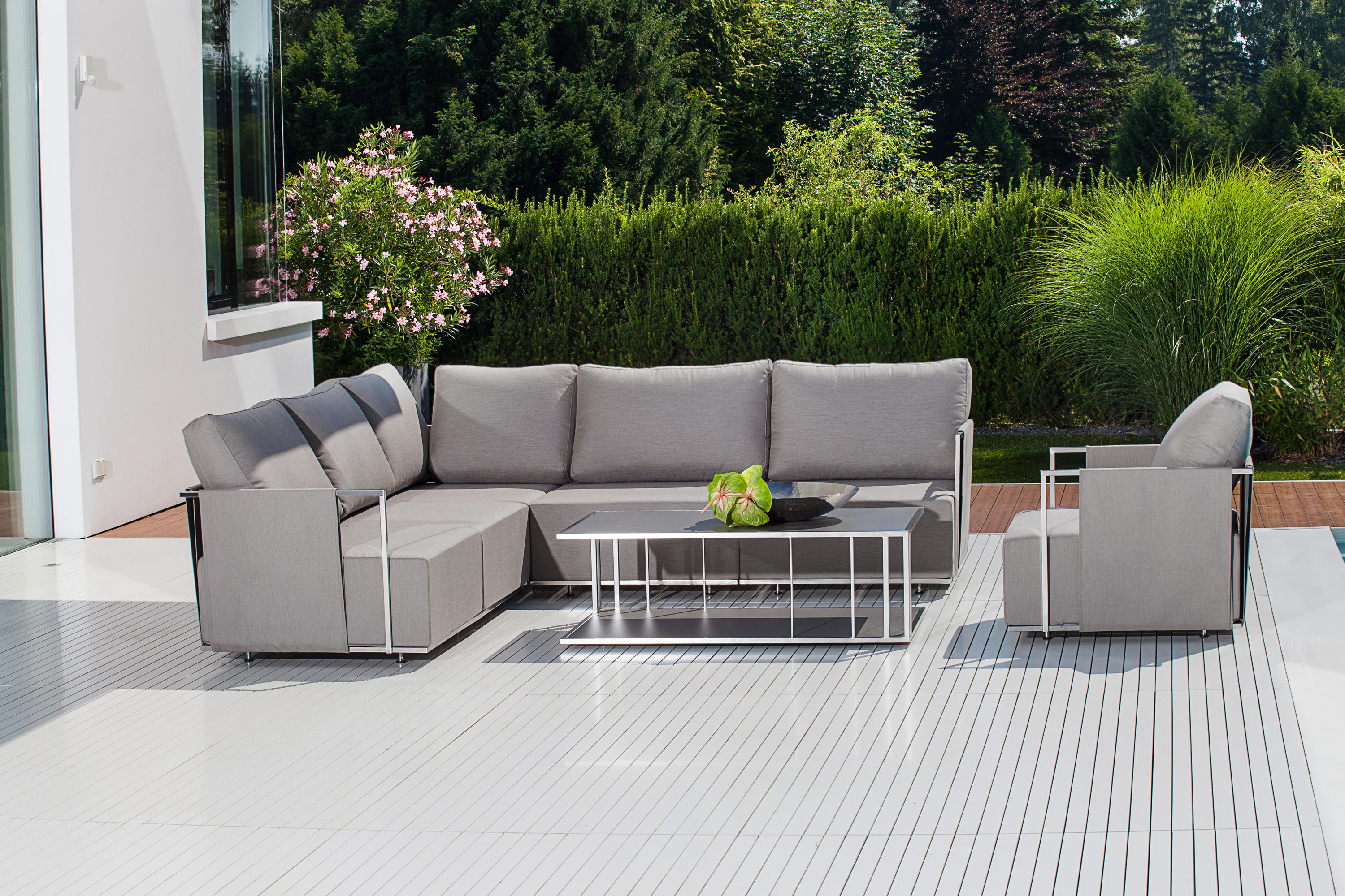 SUITE CANTILEVER CHAIR - Garden chairs from Fischer Möbel | Architonic