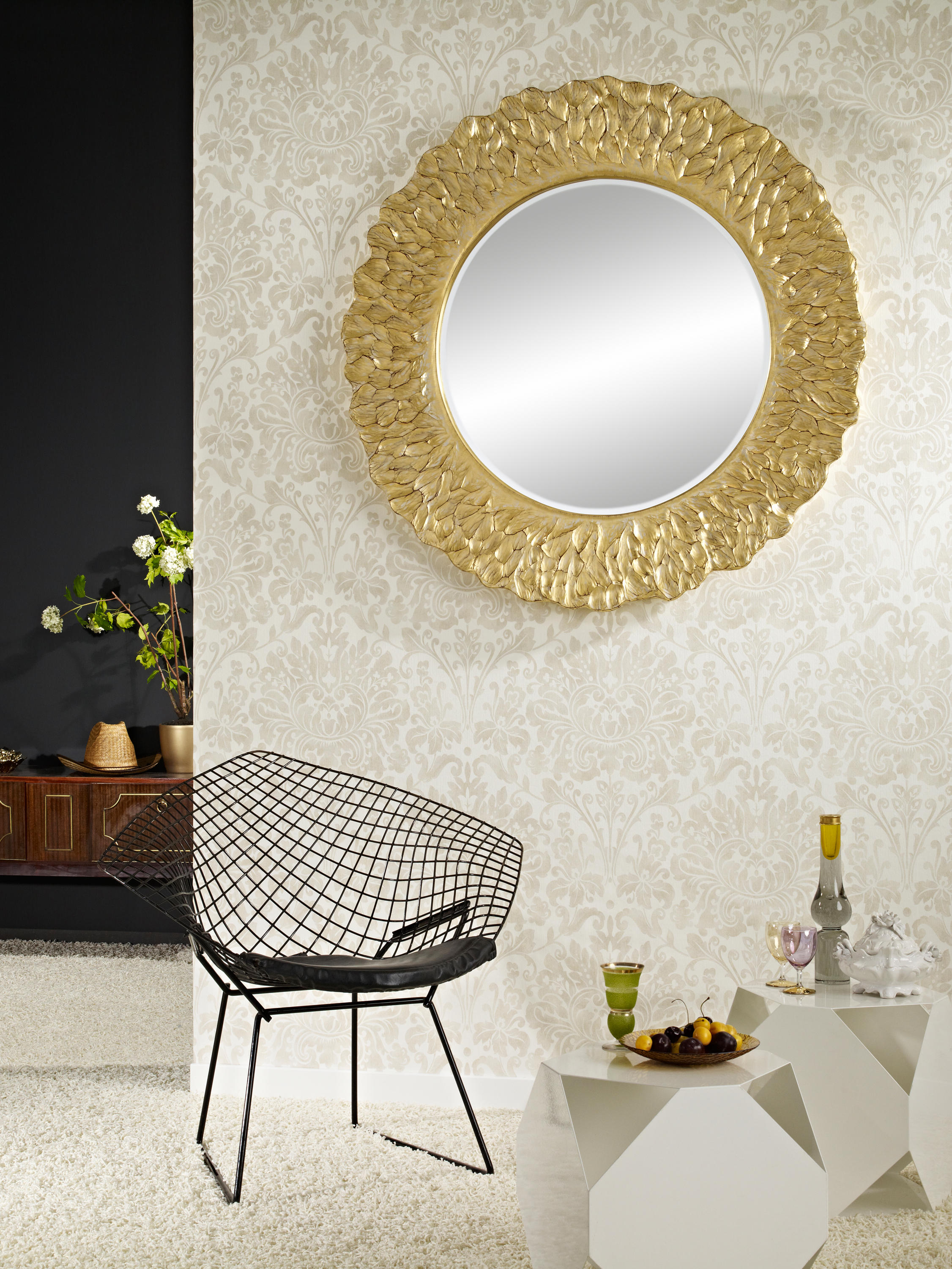 flora gold spiegel von deknudt mirrors architonic. Black Bedroom Furniture Sets. Home Design Ideas