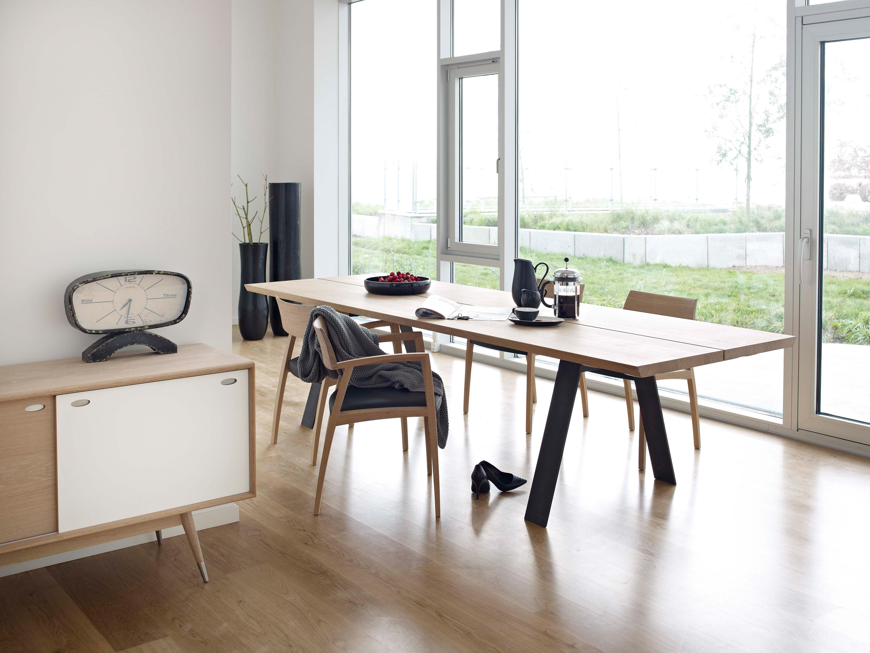 Gm 3200 plank table dining tables from naver architonic for Table salon style scandinave
