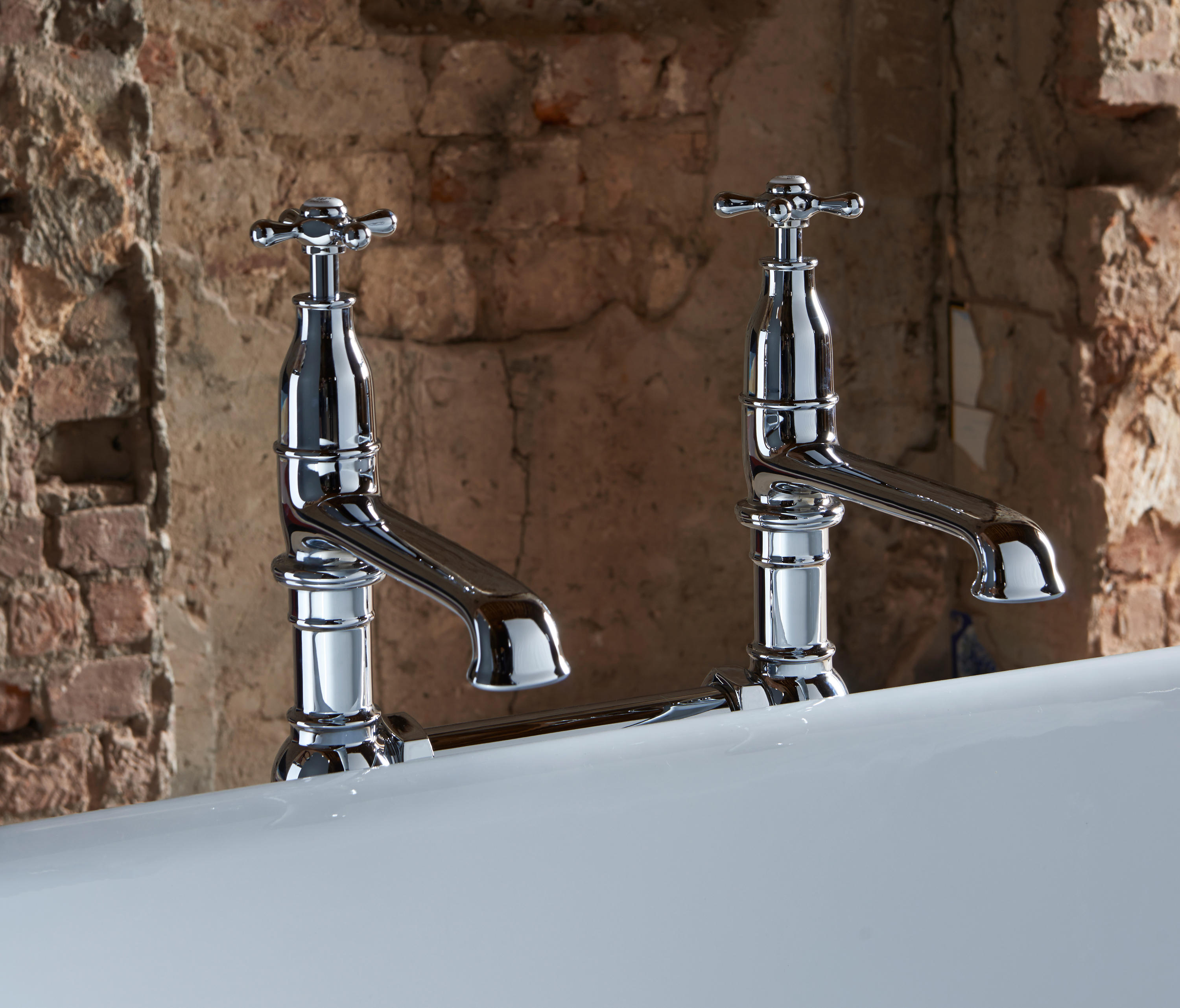 CLASSIC BATH & SHOWER MIXER - Bath taps from Drummonds | Architonic