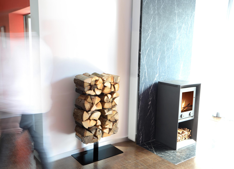 wooden tree wand gro kaminholzhalter von radius design architonic. Black Bedroom Furniture Sets. Home Design Ideas