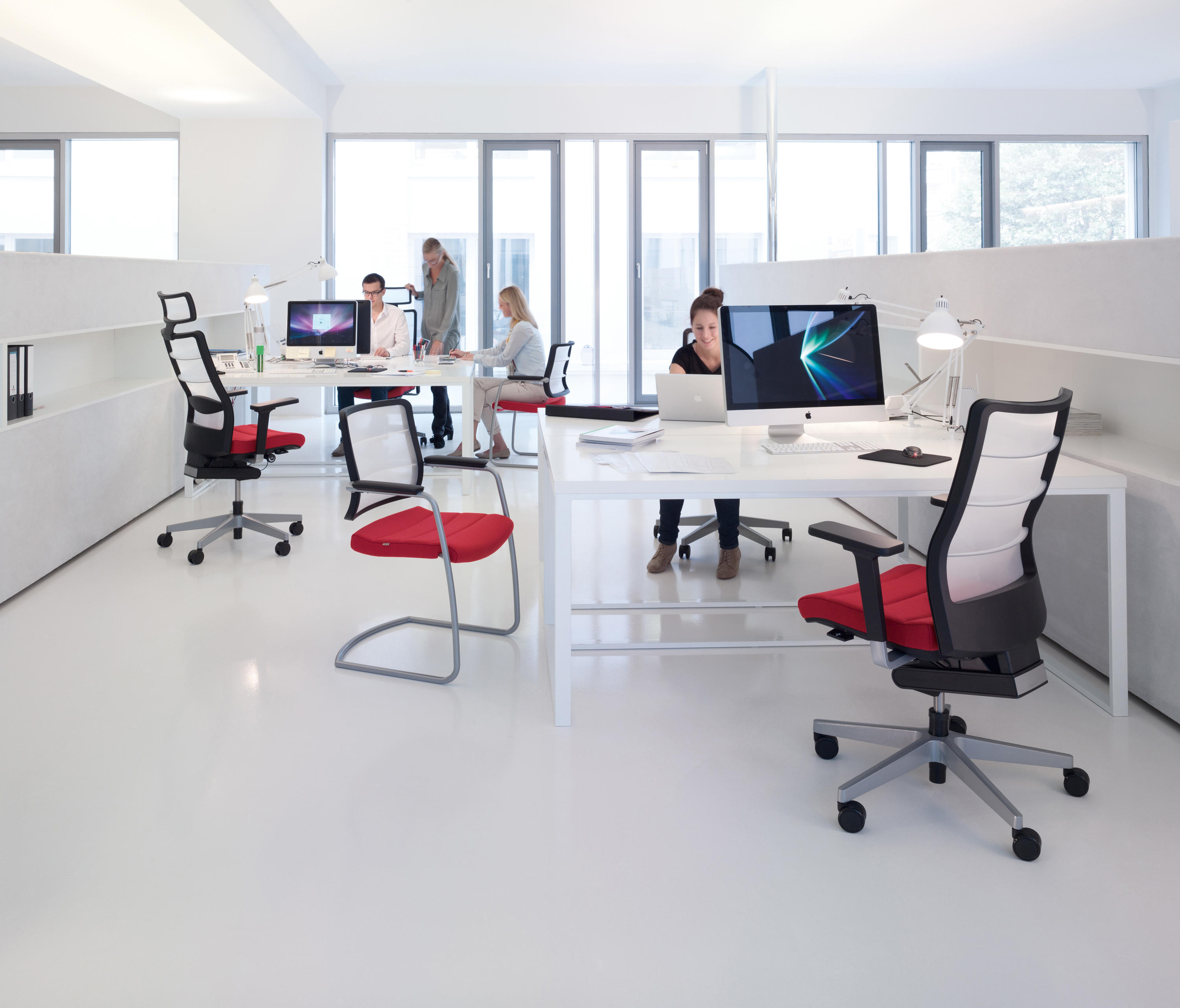 Airpad 3c42 task chairs from interstuhl b rom bel gmbh for Buero moebel