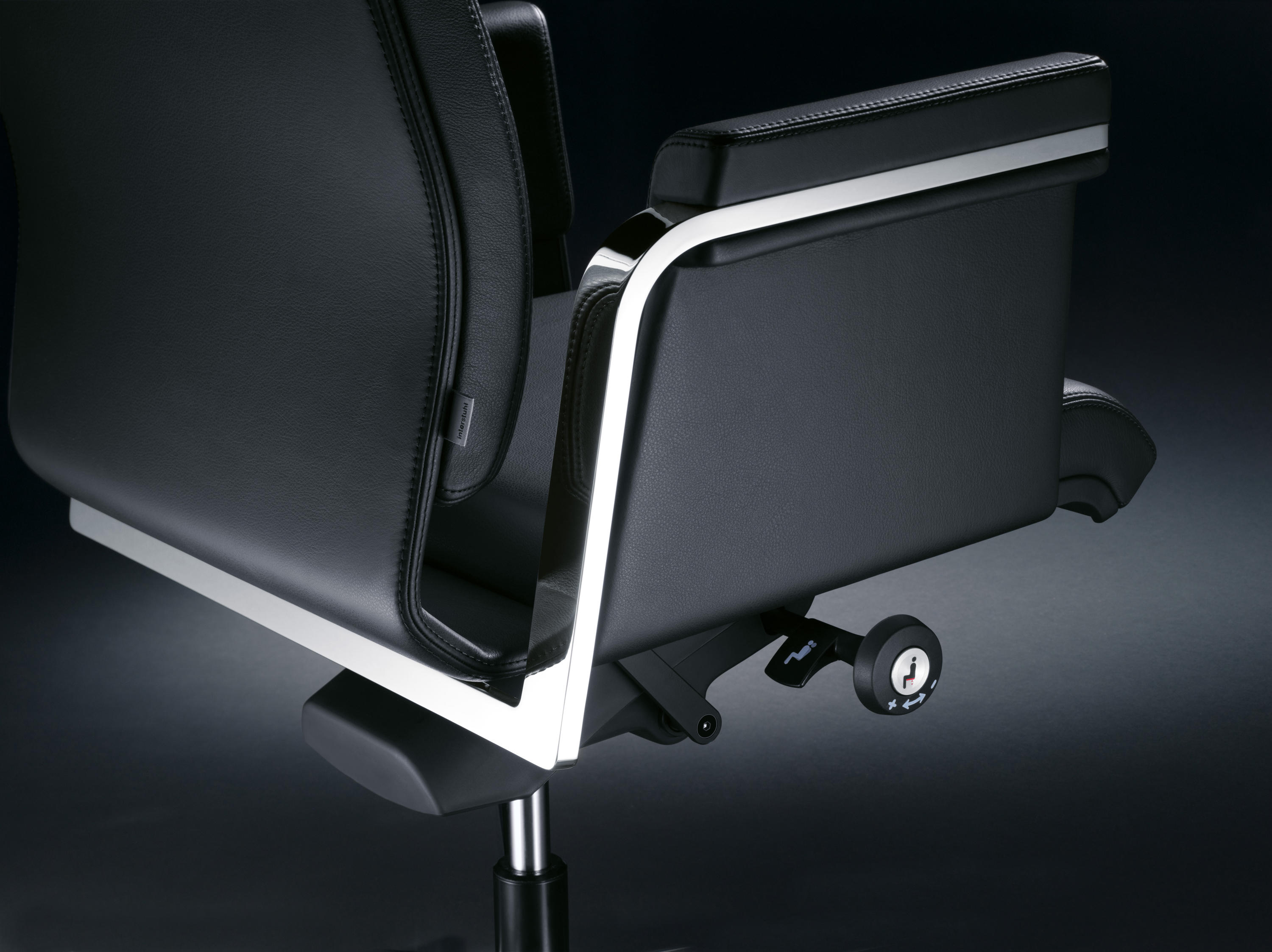 Axos 160a conference chairs from interstuhl b rom bel for Buero moebel