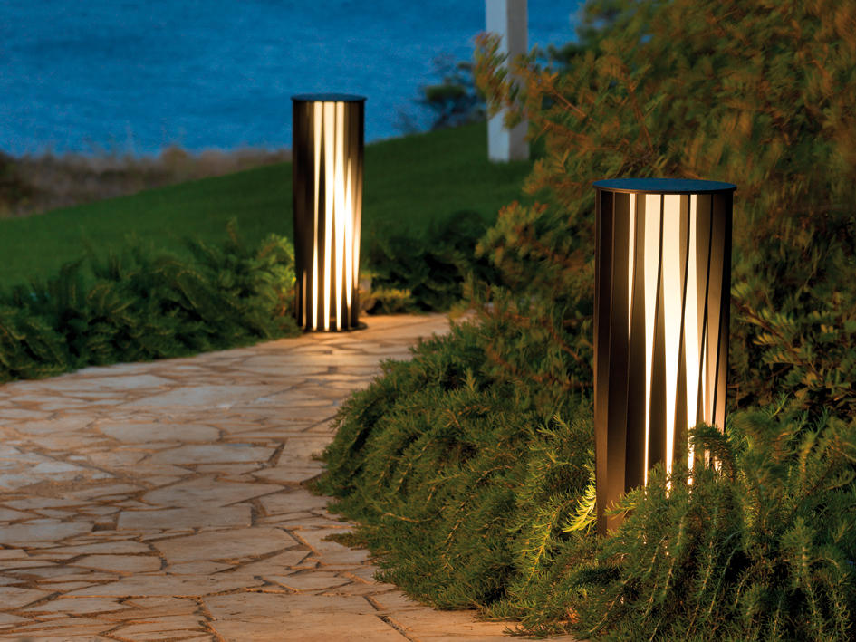 Aton Outdoor Free Standing Lights From Unopiù Architonic