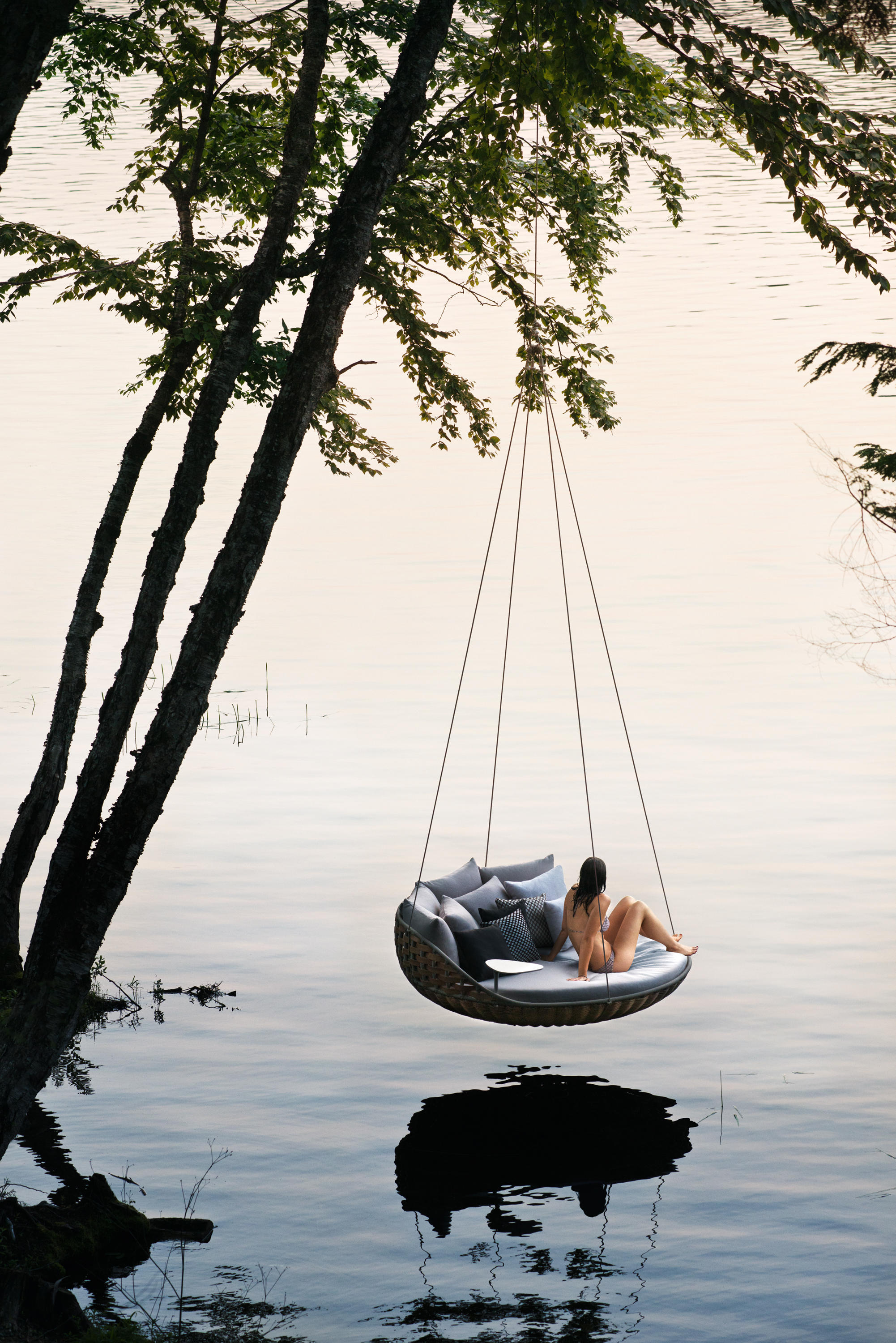 swingrest standing lounger seating islands from dedon architonic. Black Bedroom Furniture Sets. Home Design Ideas