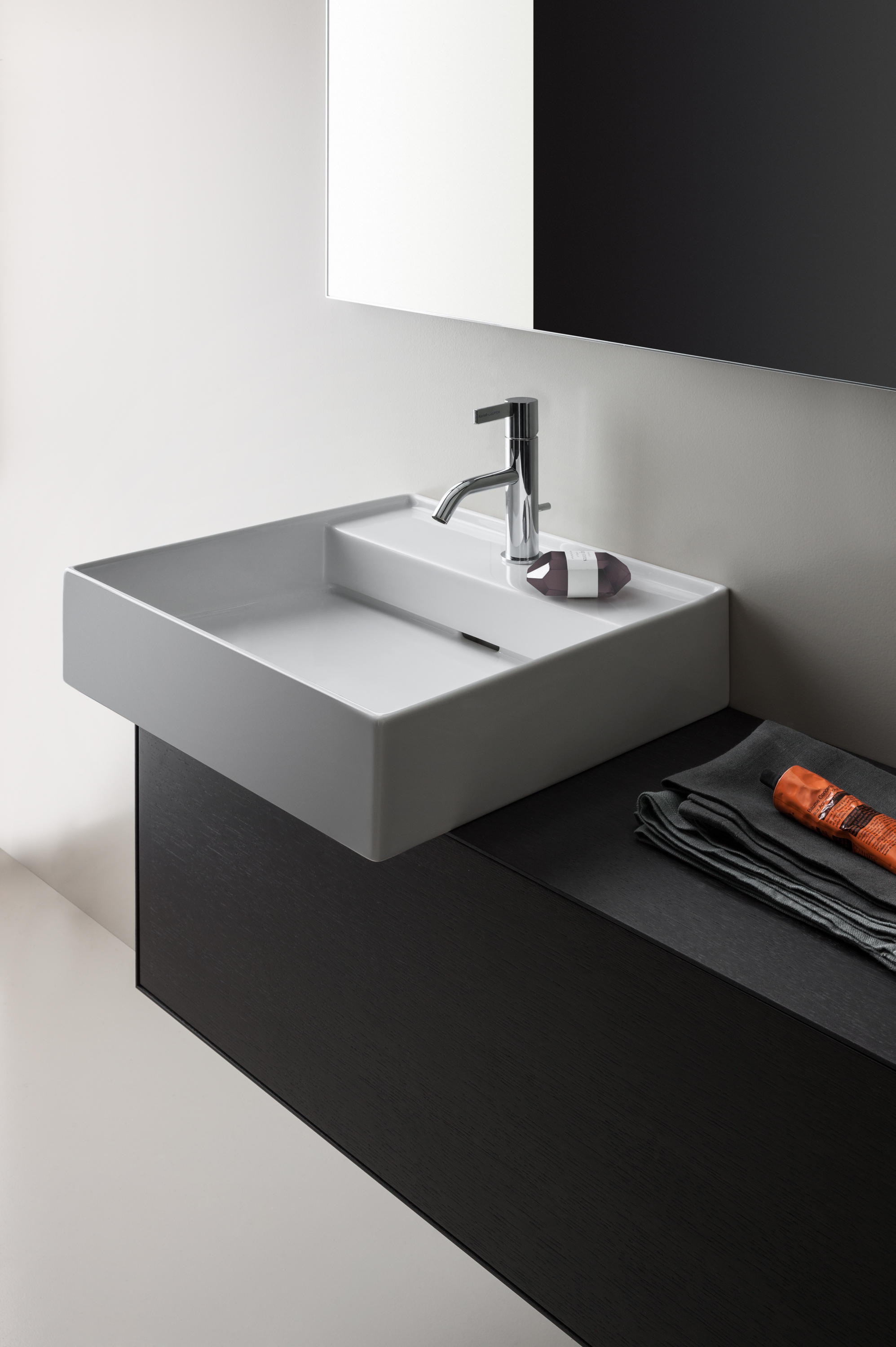 kartell by laufen freestanding washbasin wash basins from laufen architonic. Black Bedroom Furniture Sets. Home Design Ideas