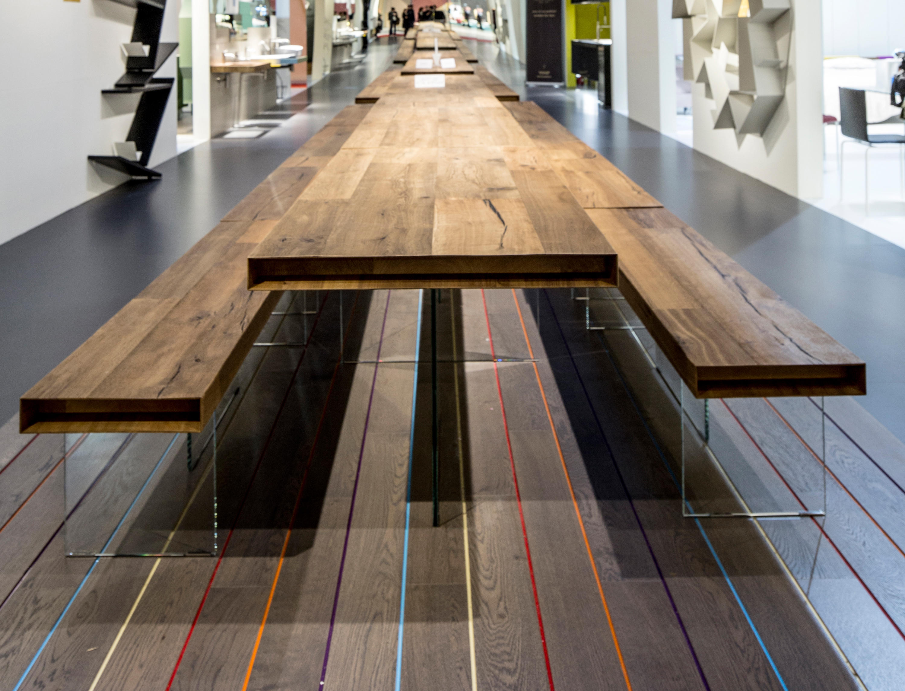 Air wildwood table dining tables from lago architonic for Lago wildwood