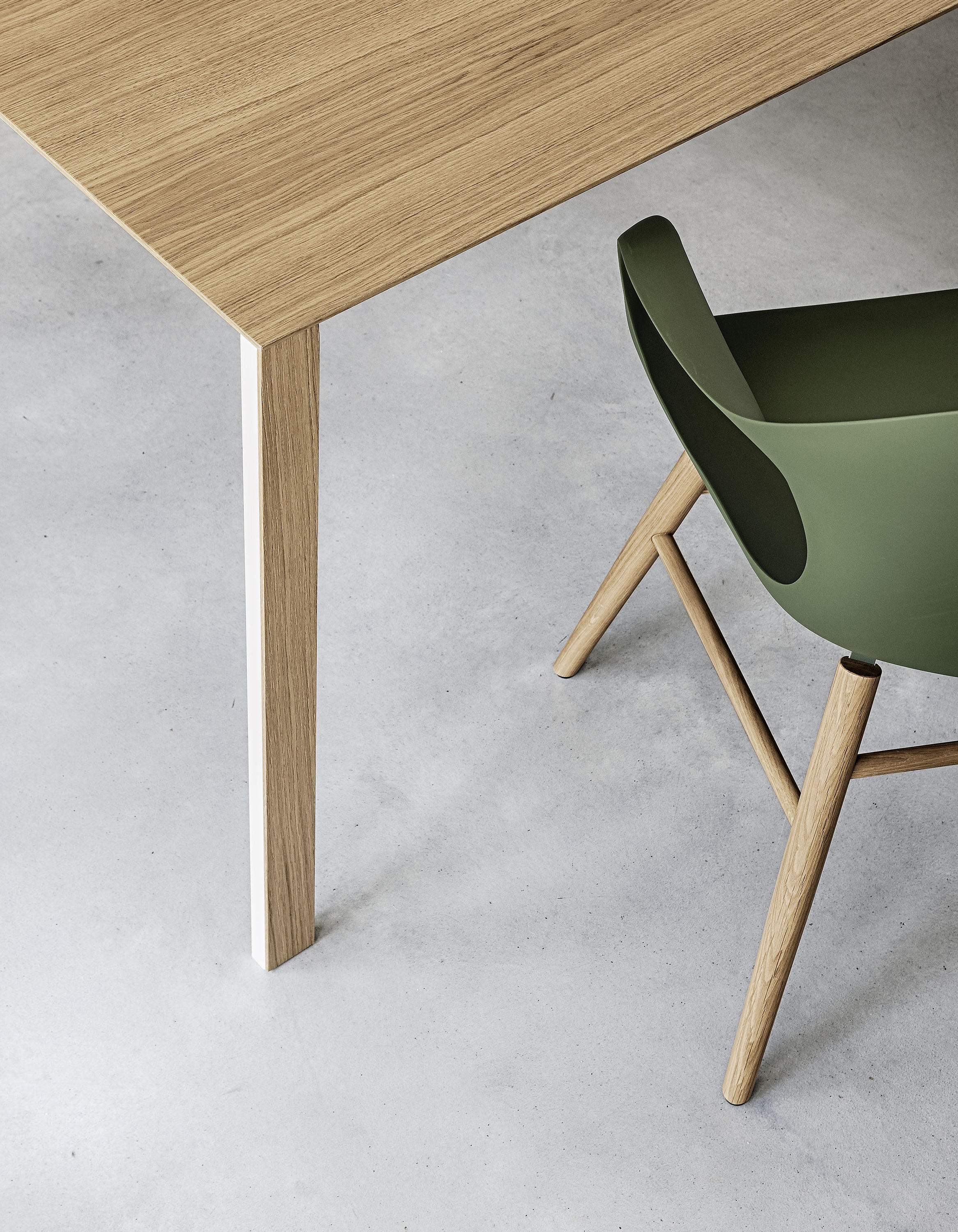 Thin k longo wood table restaurant tables from kristalia for Table kristalia
