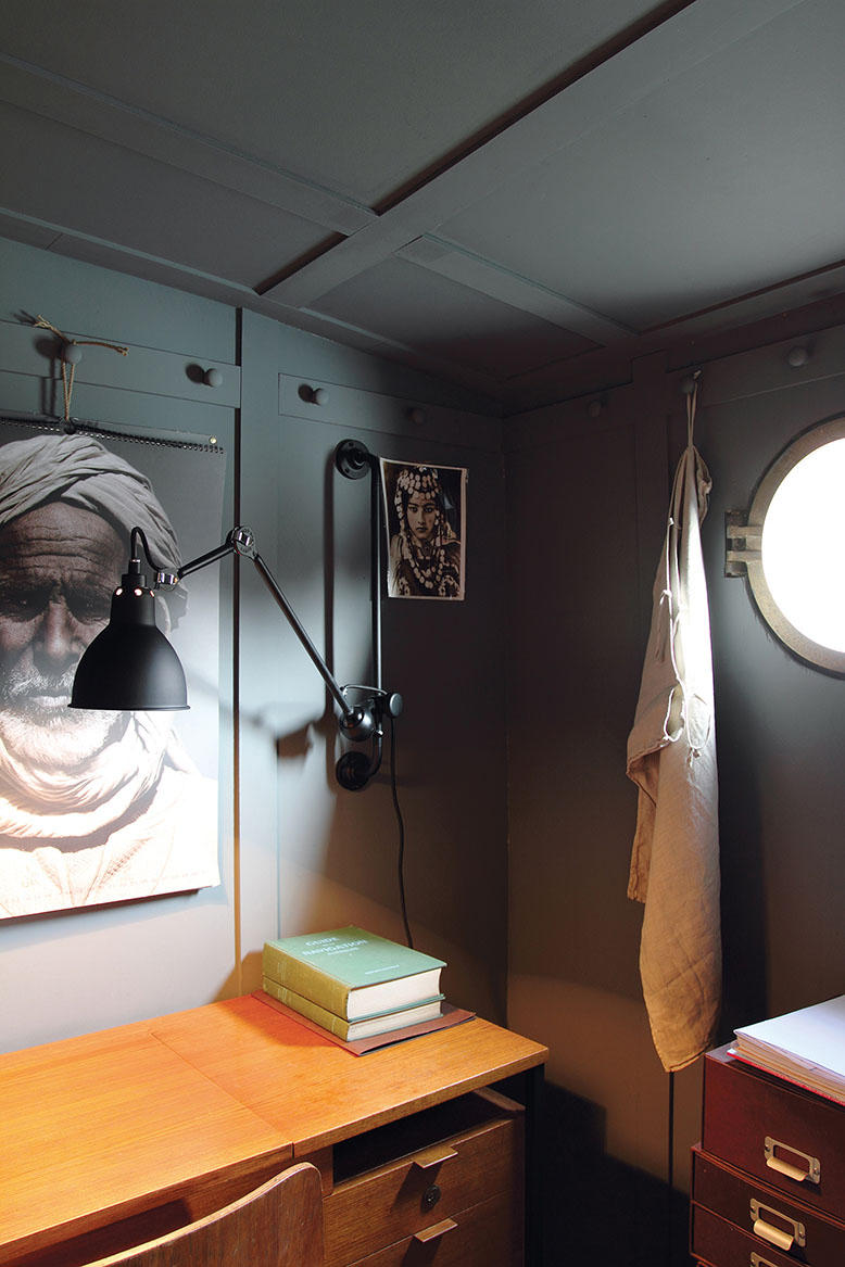 lampe gras n 210 black general lighting from dcw. Black Bedroom Furniture Sets. Home Design Ideas