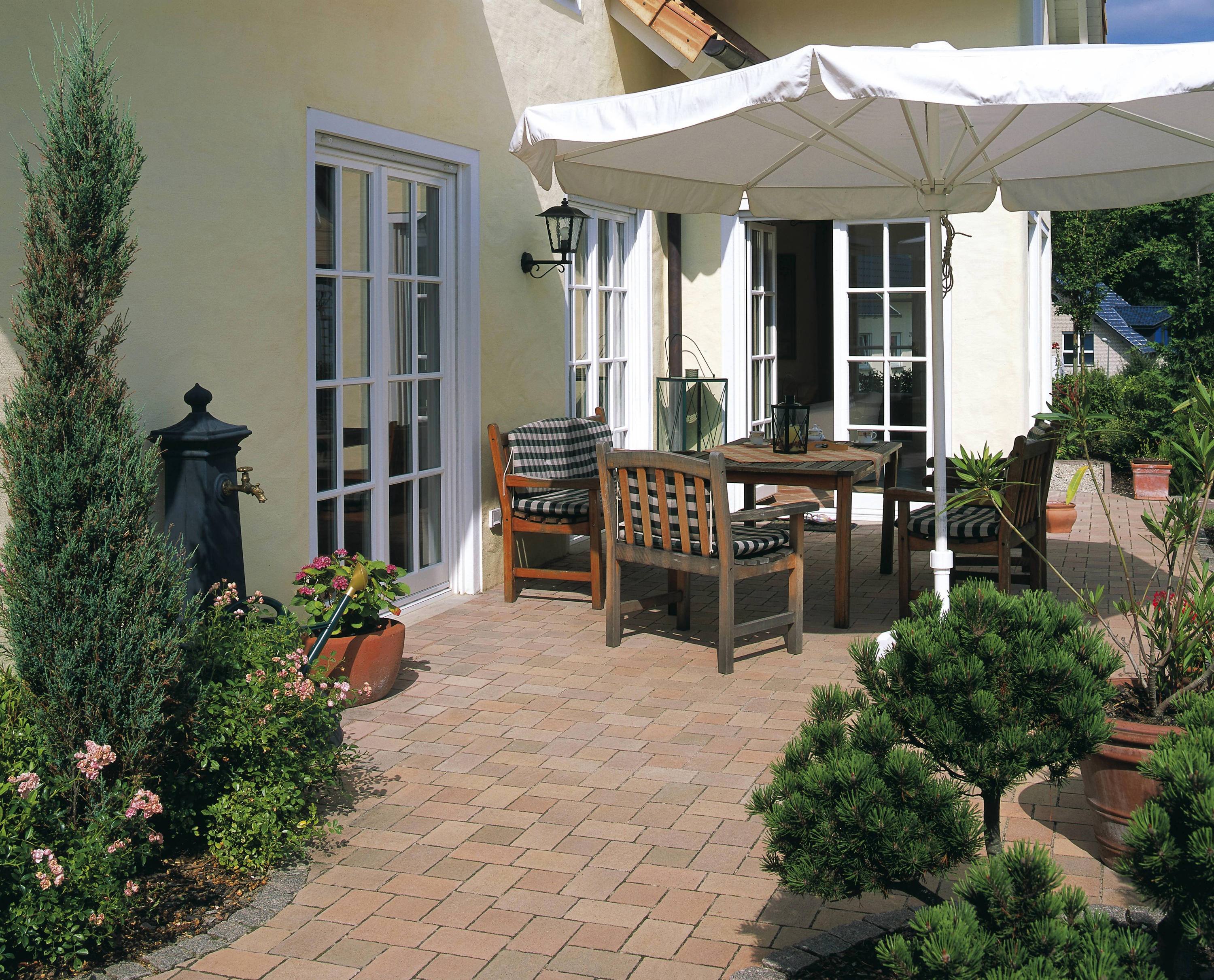 TERRA TOSCANA PFLASTER ANTHRAZIT CHANGIEREND Paving stones from