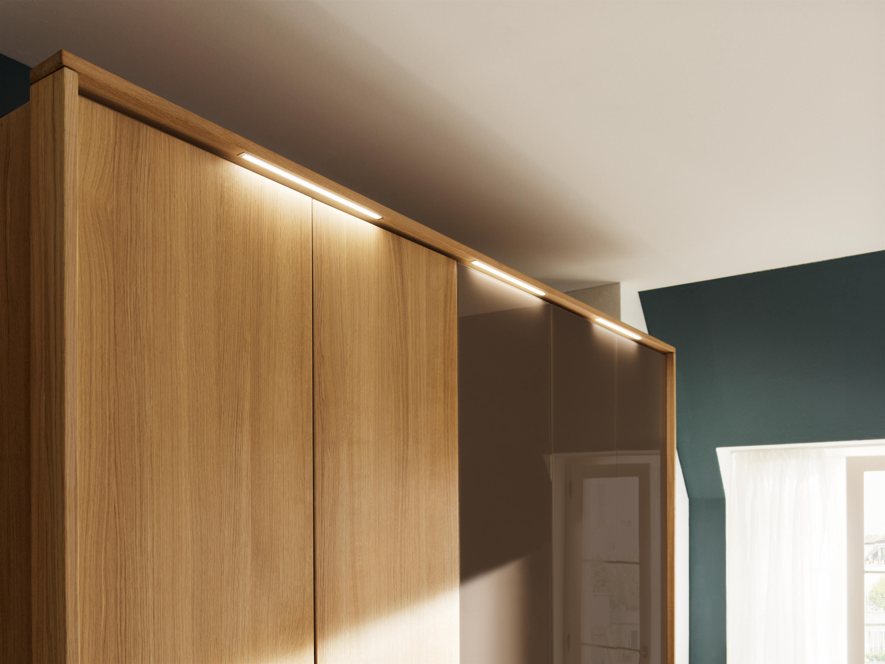 soft wardrobe system cabinets from team 7 architonic. Black Bedroom Furniture Sets. Home Design Ideas