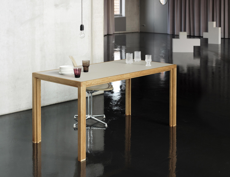 esstisch massivholz eichentafel esstische von alvari. Black Bedroom Furniture Sets. Home Design Ideas