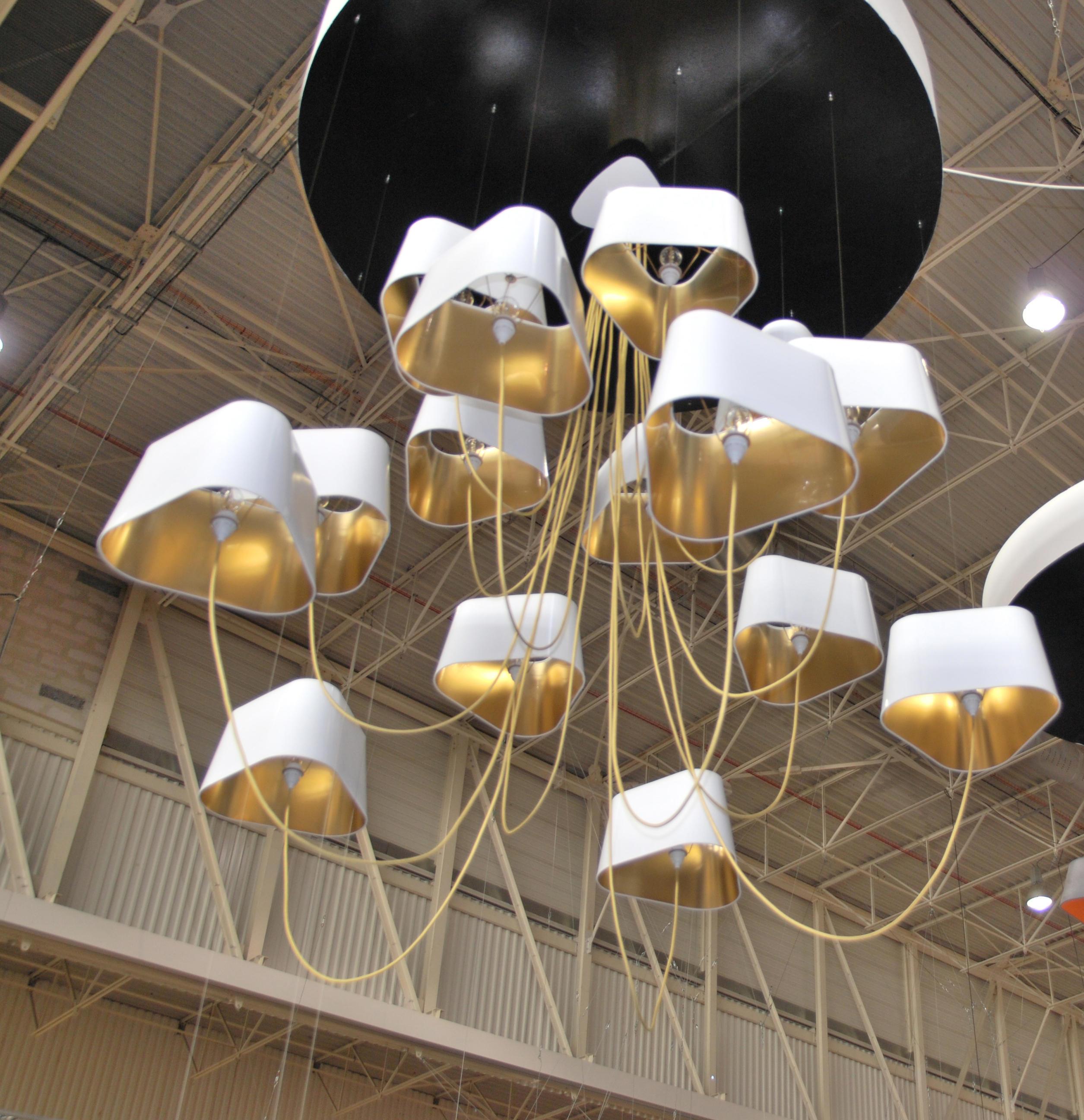 nuage lustre 6 petit lustres suspendus de designheure. Black Bedroom Furniture Sets. Home Design Ideas