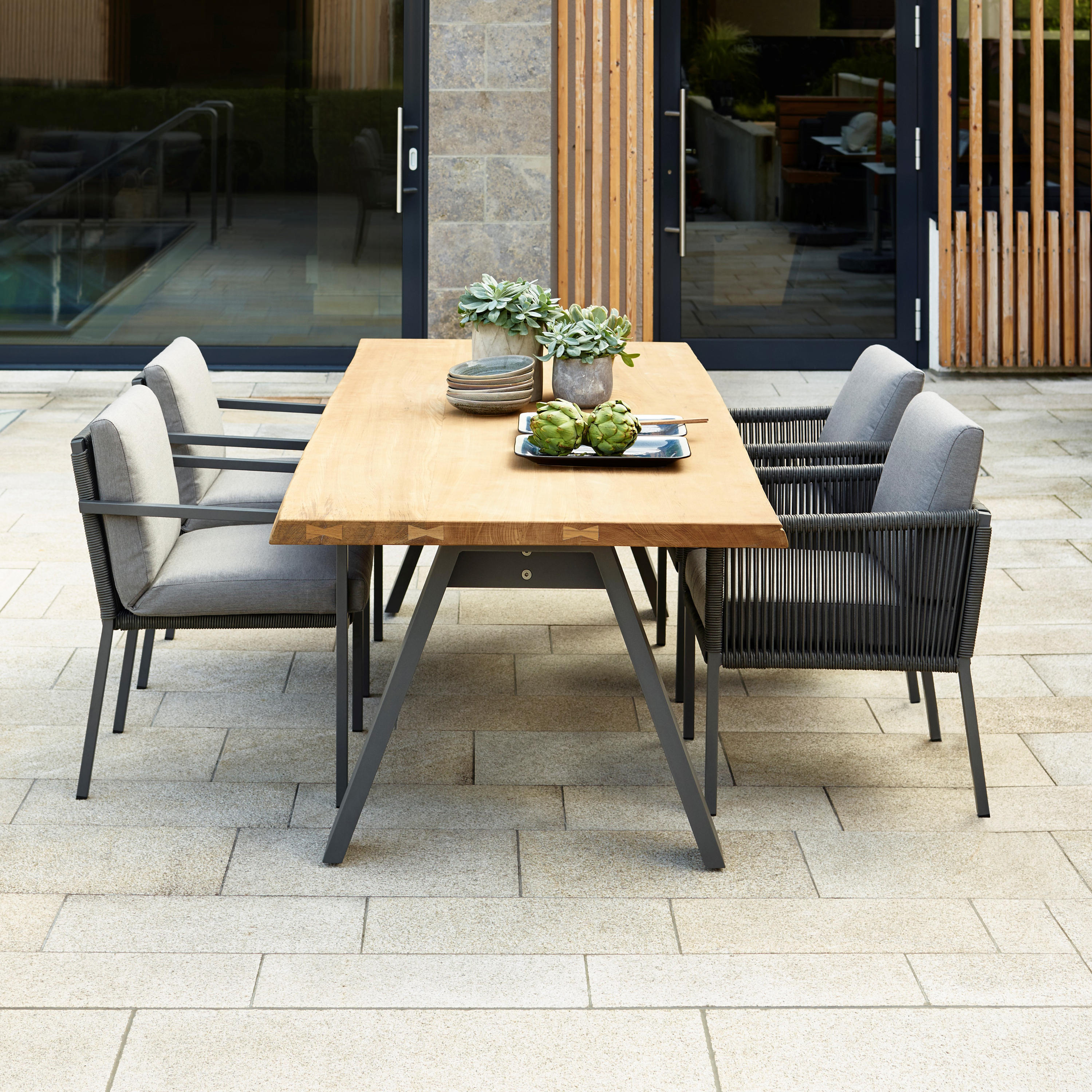Club Dining Chair Chairs From Solpuri Architonic