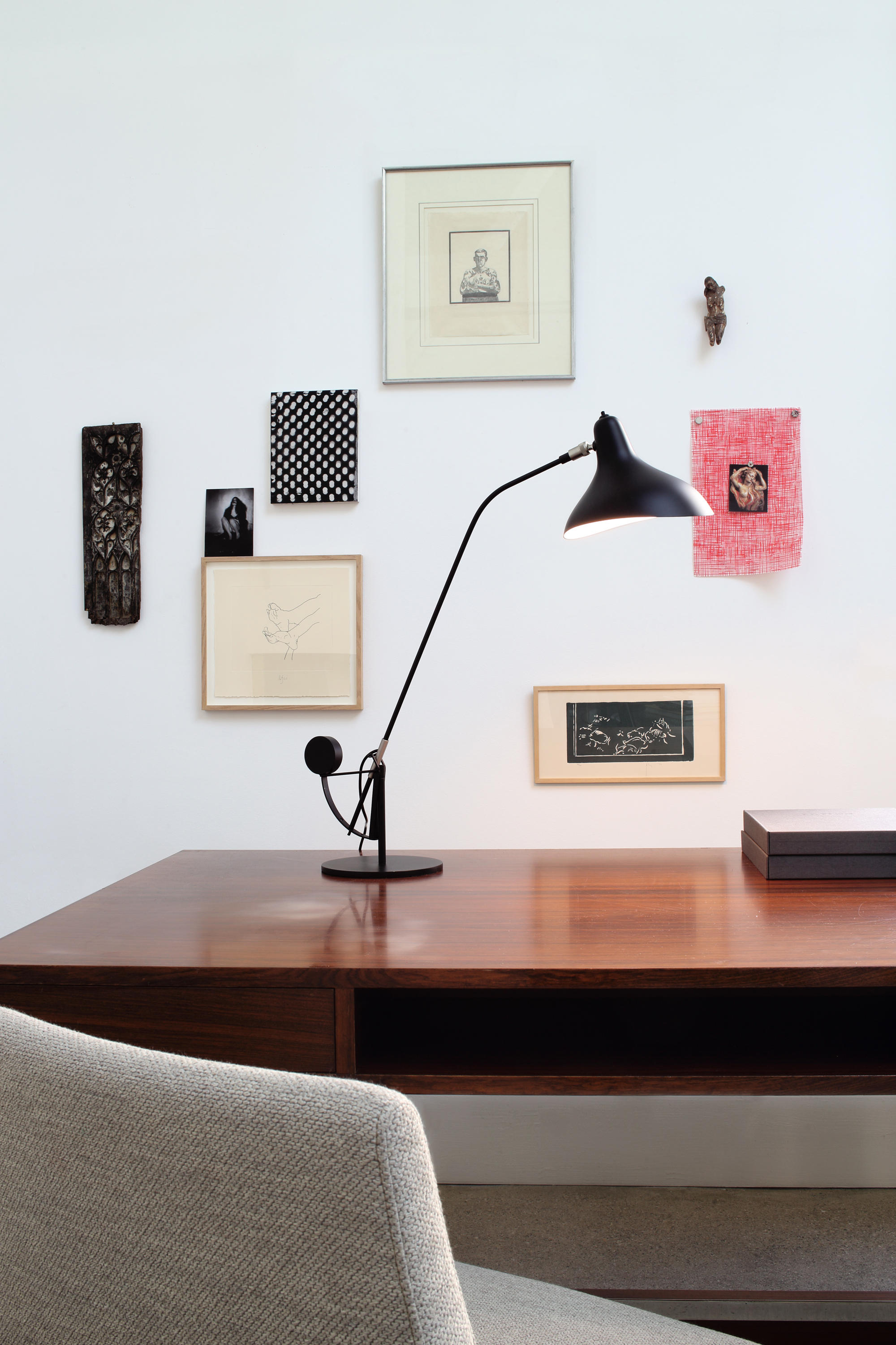 mantis bs5 sw bl general lighting from dcw ditions. Black Bedroom Furniture Sets. Home Design Ideas