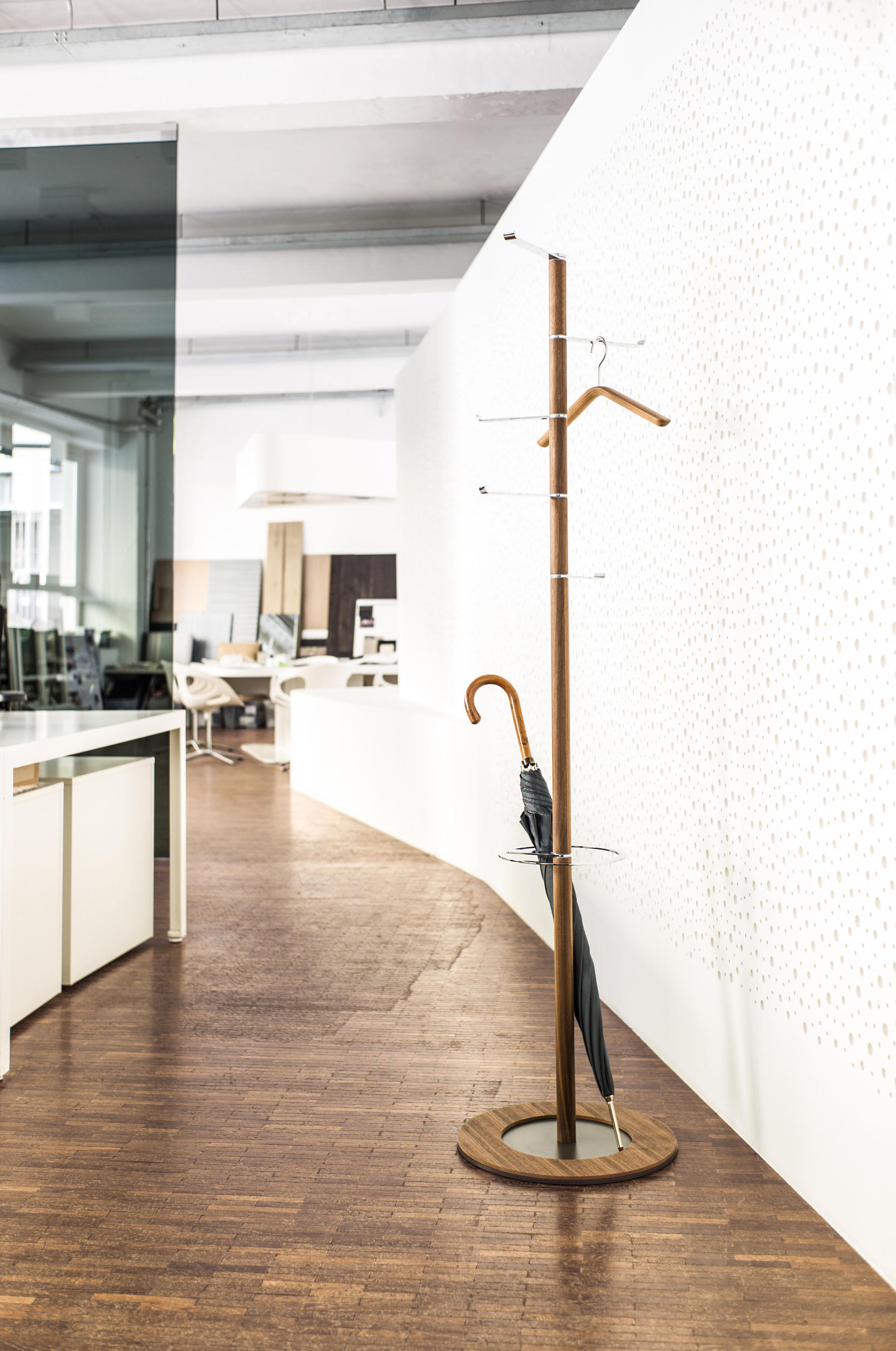 pivot garderobenst nder standgarderoben von sch nbuch. Black Bedroom Furniture Sets. Home Design Ideas