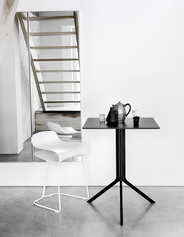 Poule table multipurpose tables from kristalia architonic for Tavolo pieghevole design