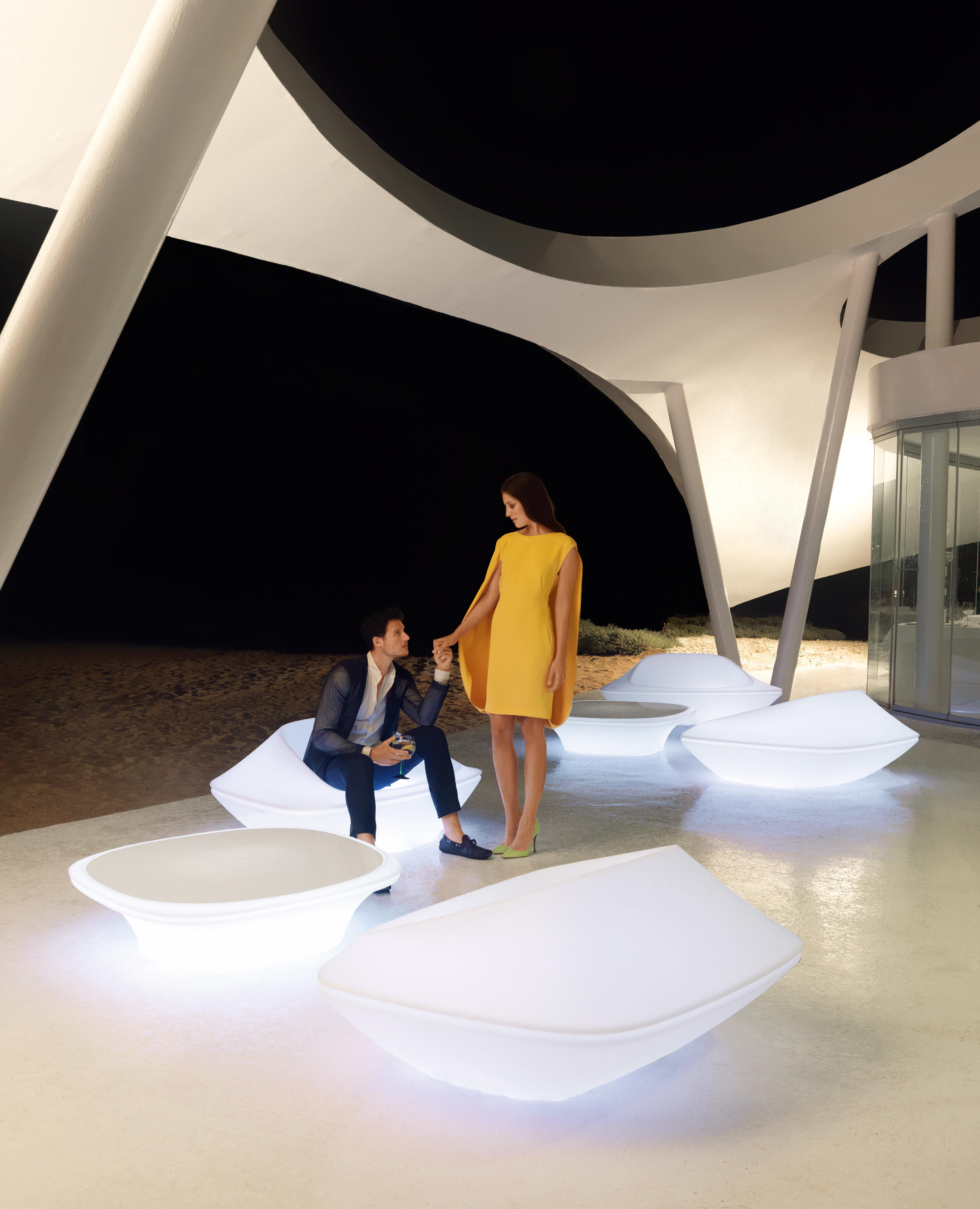 ufo chair garden chairs from vondom architonic. Black Bedroom Furniture Sets. Home Design Ideas