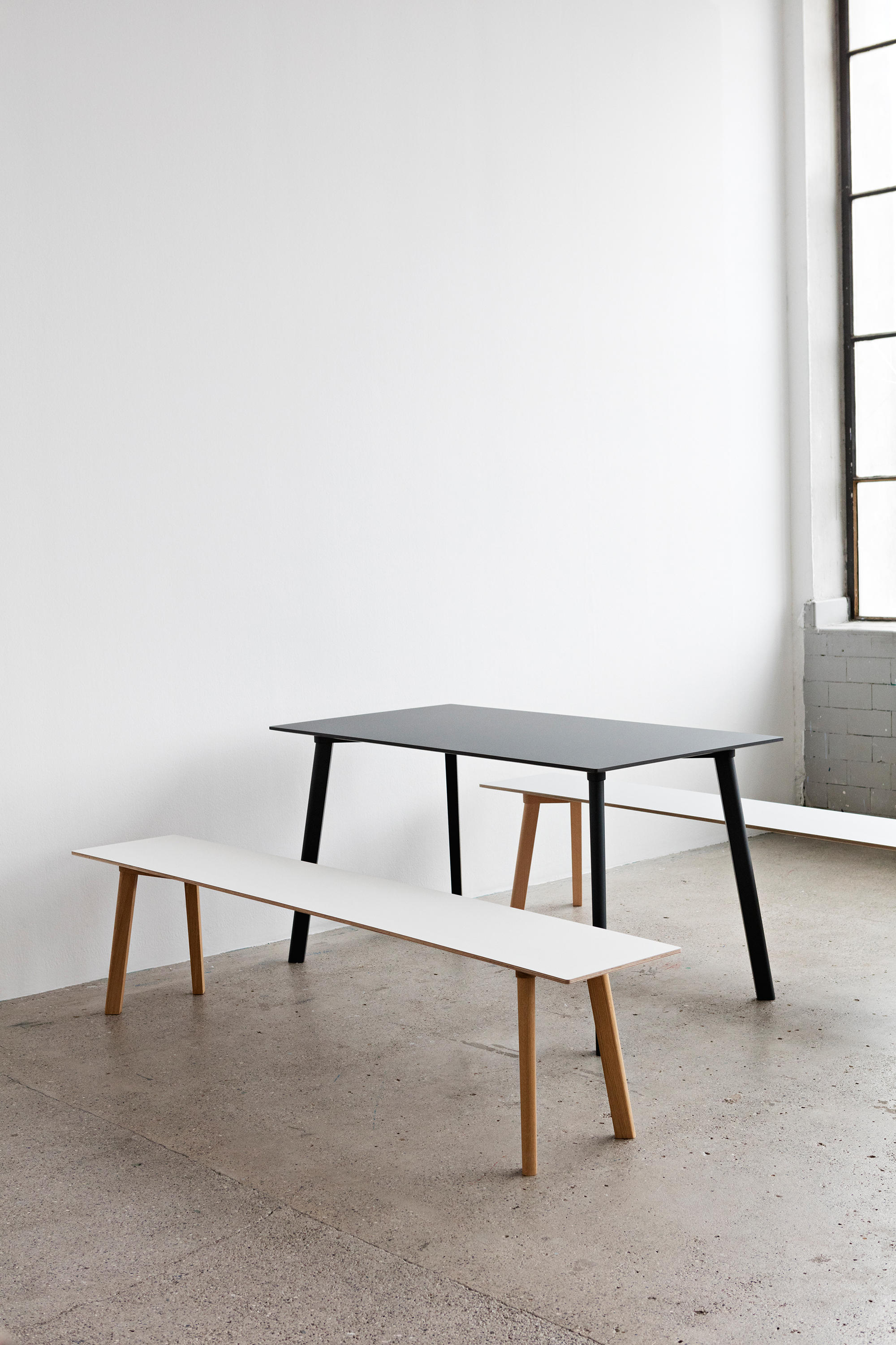Copenhague deux table cph210 canteen tables from hay for Table khi deux