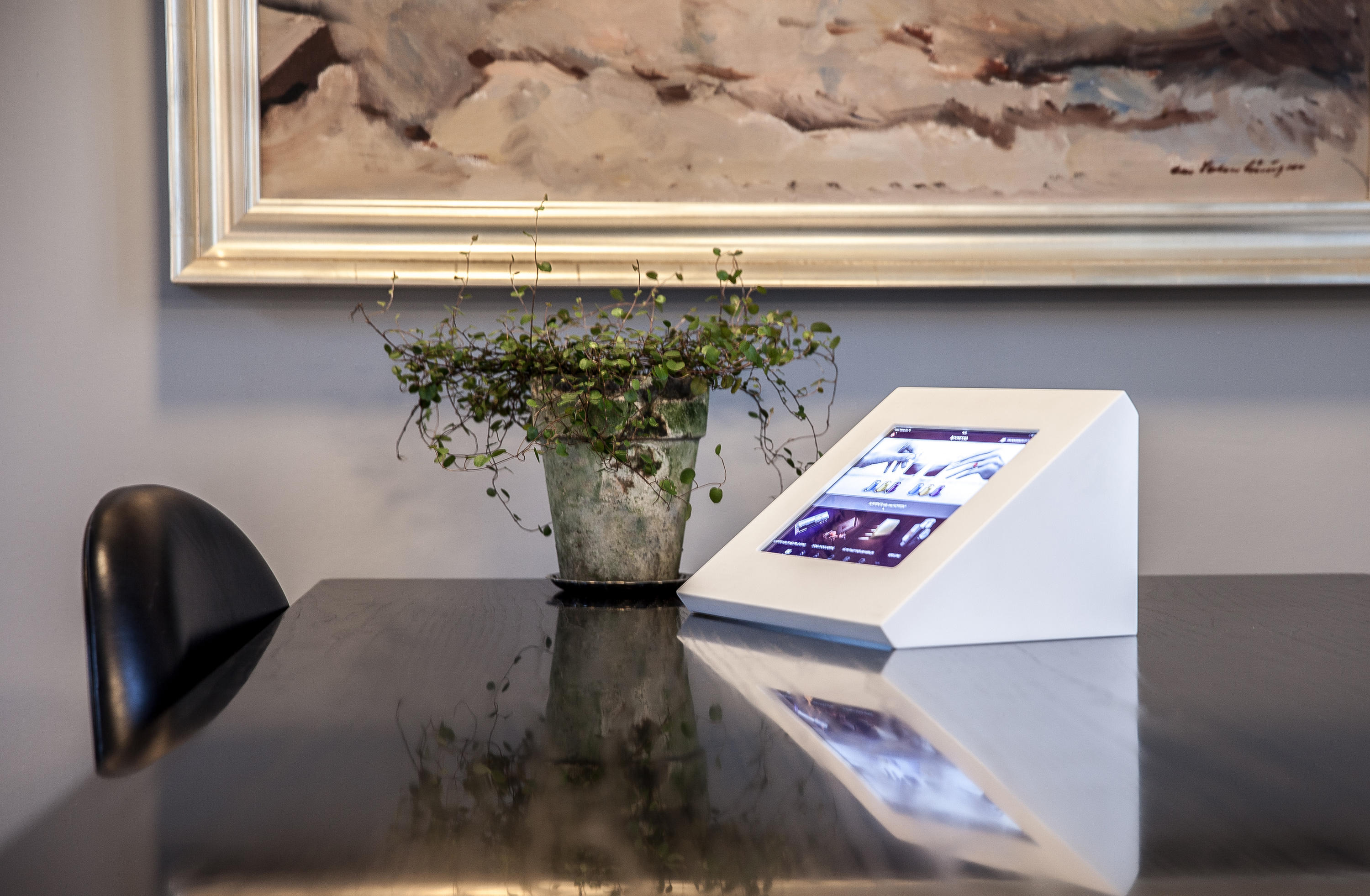 Impact Ipad Desk Stand Table Integrated Displays From