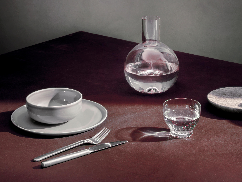 new norm mini bottle 35 cl white dekanter karaffen von menu architonic. Black Bedroom Furniture Sets. Home Design Ideas