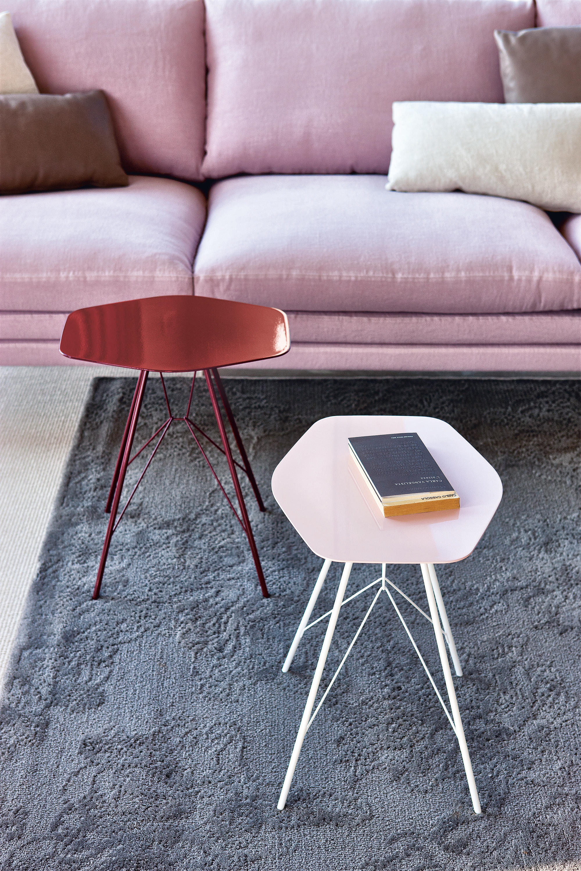 Emil 647 side tables from zanotta architonic emil 647 by zanotta greentooth Gallery