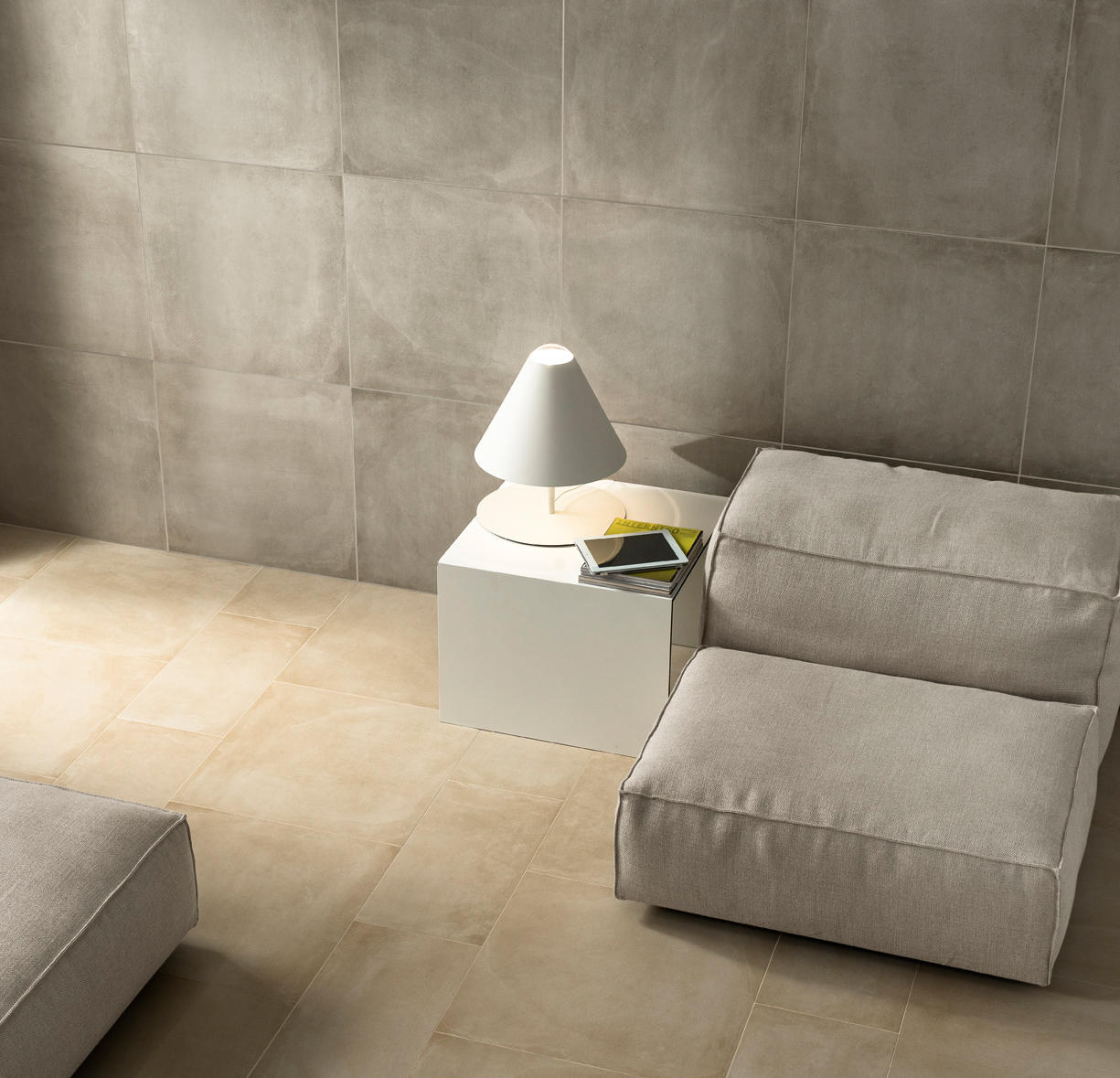 One gesso floor tiles from caesar architonic for Carrelage 60x120