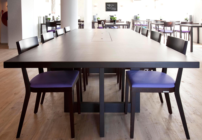Oak all size tavoli ristorante dutchglobe architonic for Produttori tavoli