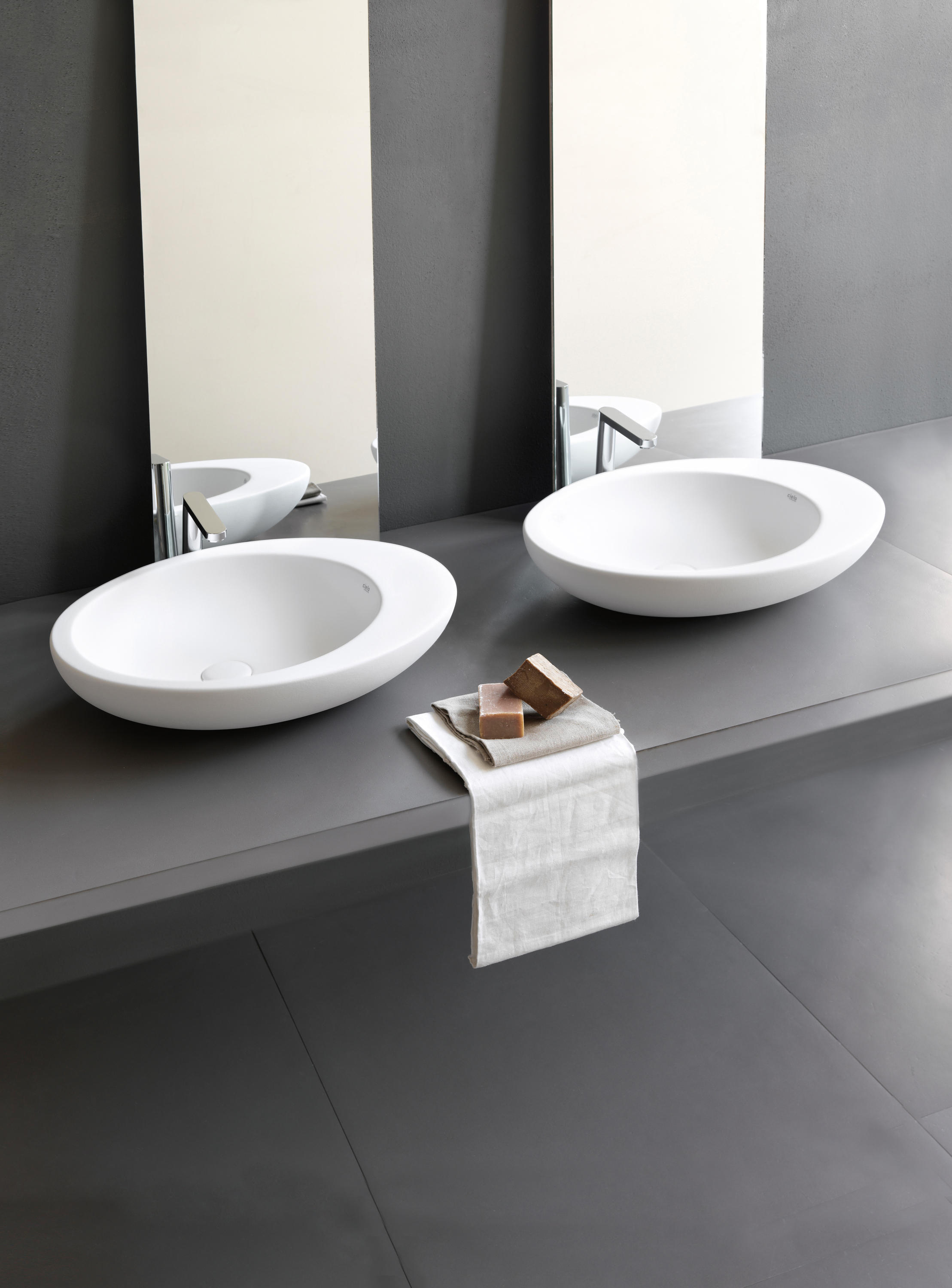 Le Giare Back To Wall Wc Bidet Bidets From Ceramica