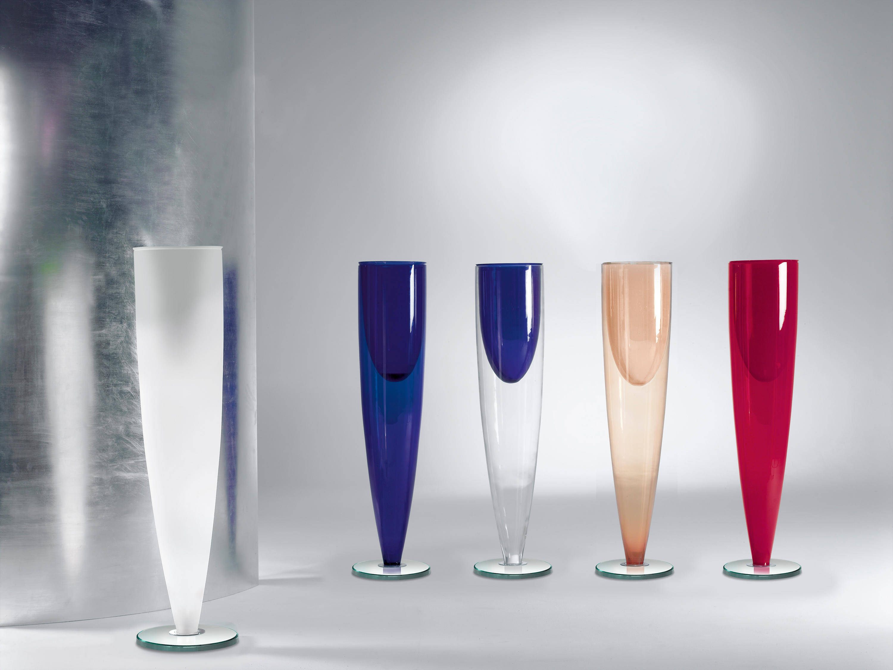 Ming Vase Vases From Reflex Architonic