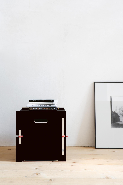 kleine trude nachttische von moormann architonic. Black Bedroom Furniture Sets. Home Design Ideas