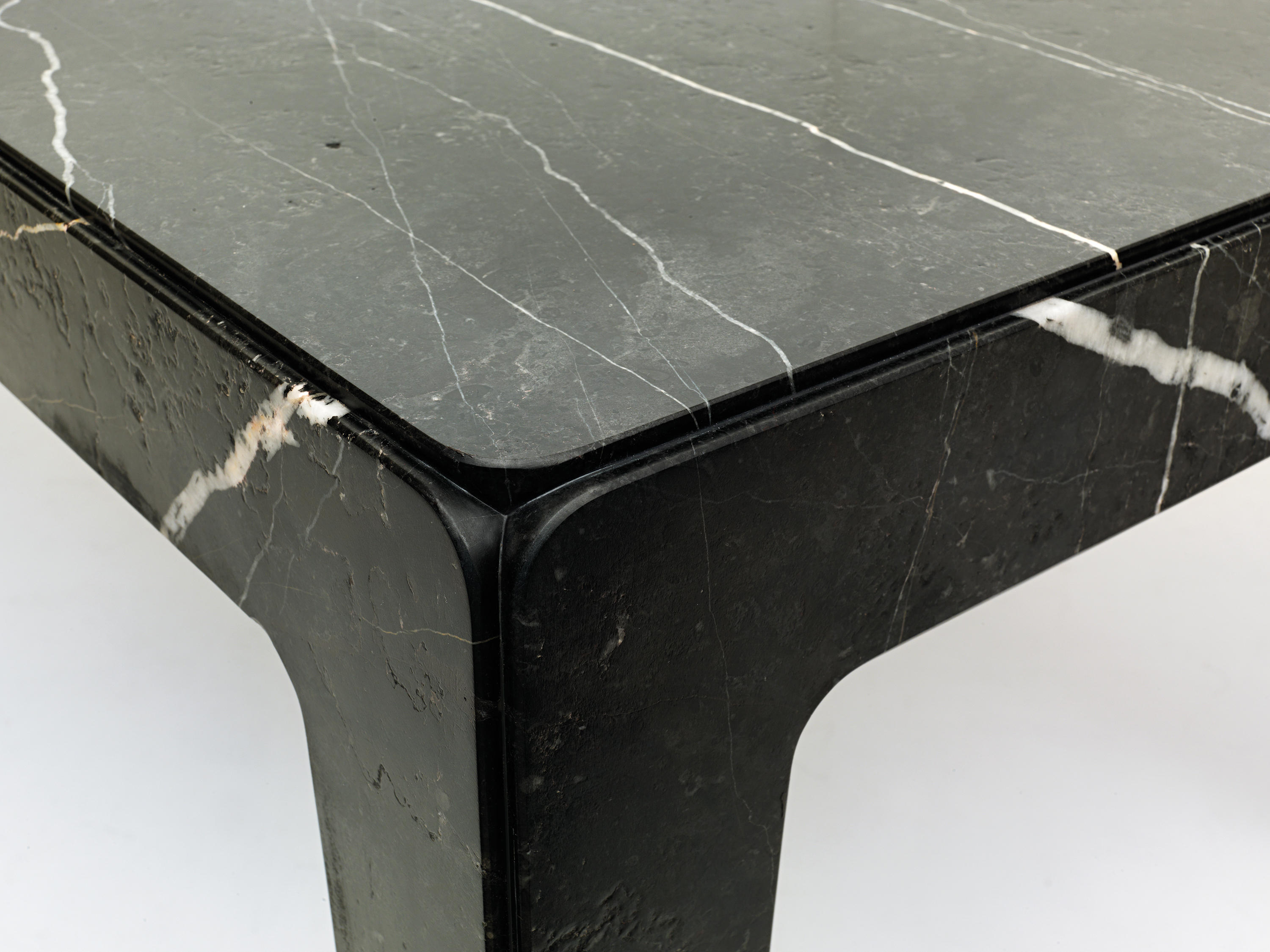 ROCK TABLE Dining tables from Eponimo