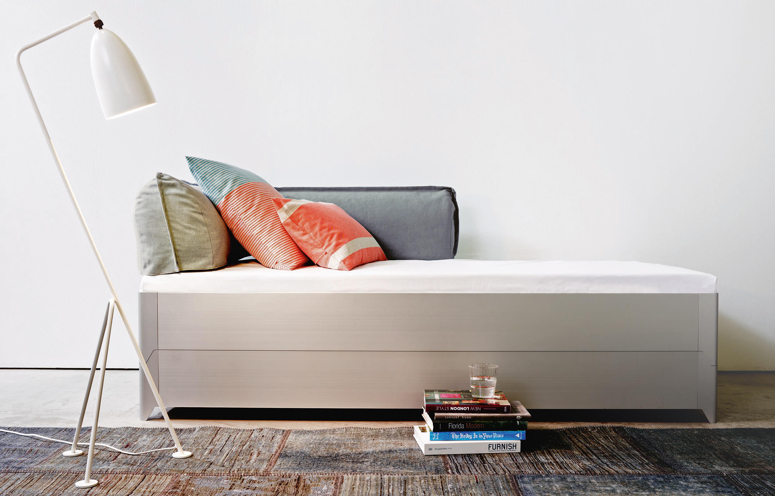 toro bett betten von more architonic. Black Bedroom Furniture Sets. Home Design Ideas