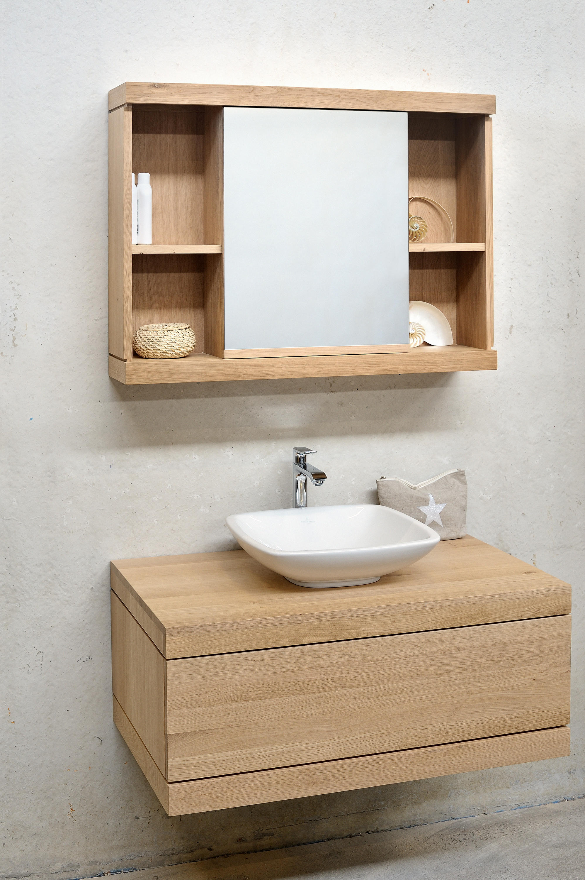 Cadence wall mounted base unit vanity units from for Armoire de toilette but