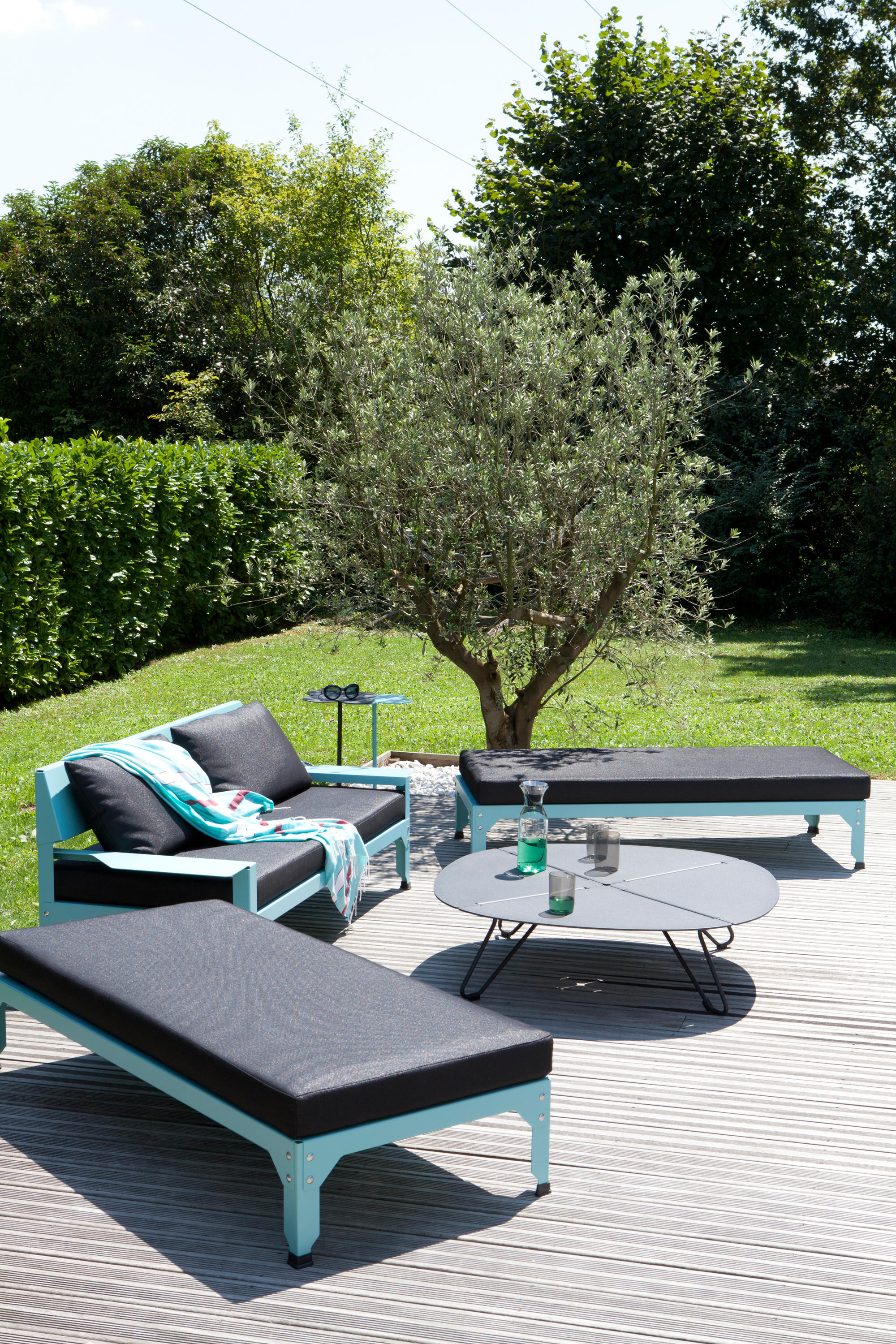 HEGOA STANDING TABLE Bar tables from Mati¨re Grise