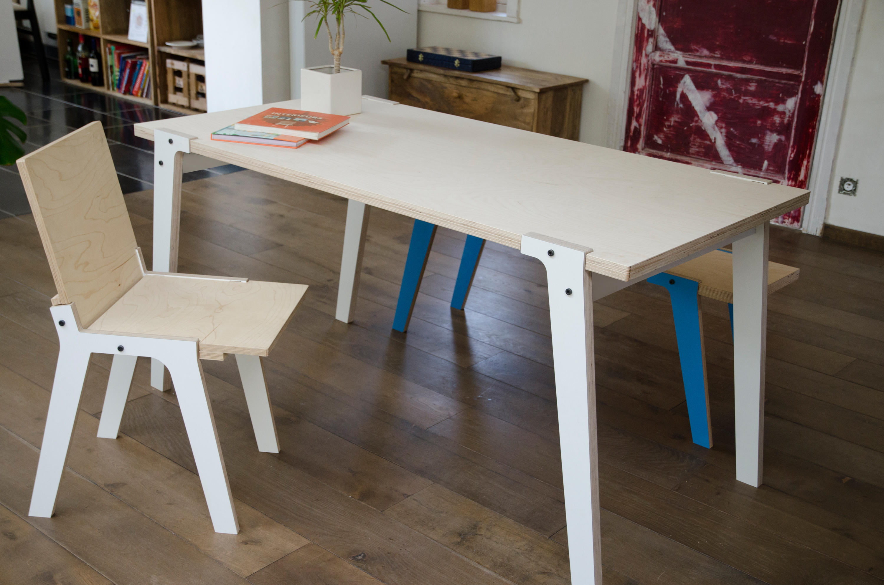 Groovy Switch Table S Dining Tables From Rform Architonic Caraccident5 Cool Chair Designs And Ideas Caraccident5Info